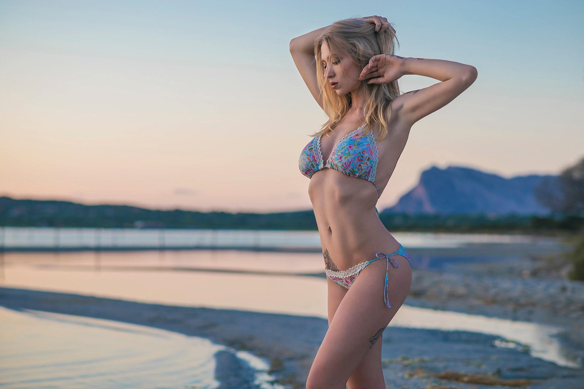 Bikini Natasha Legeyda