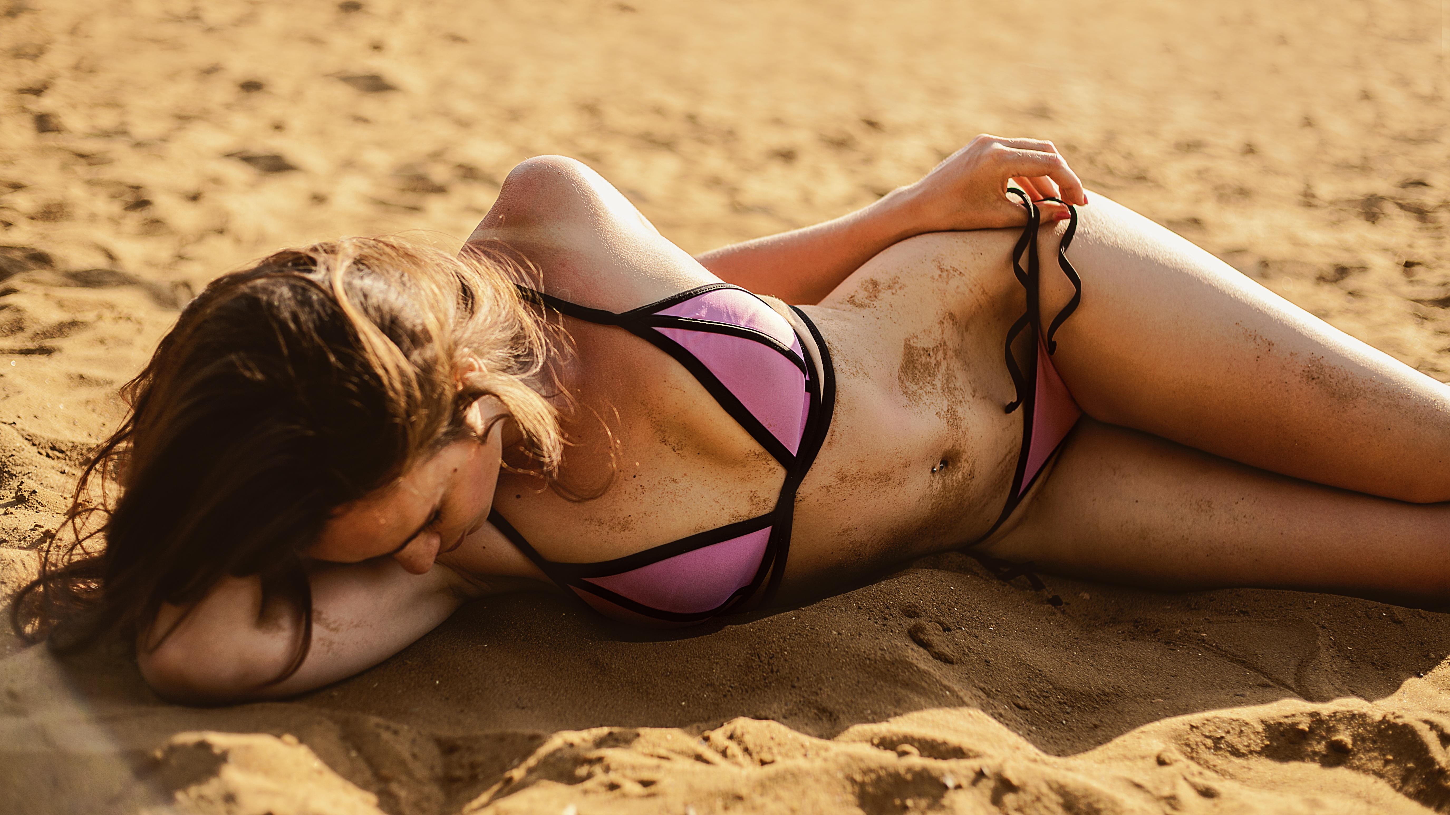 берег замужние фото девушек шокирующих пляж даже такой