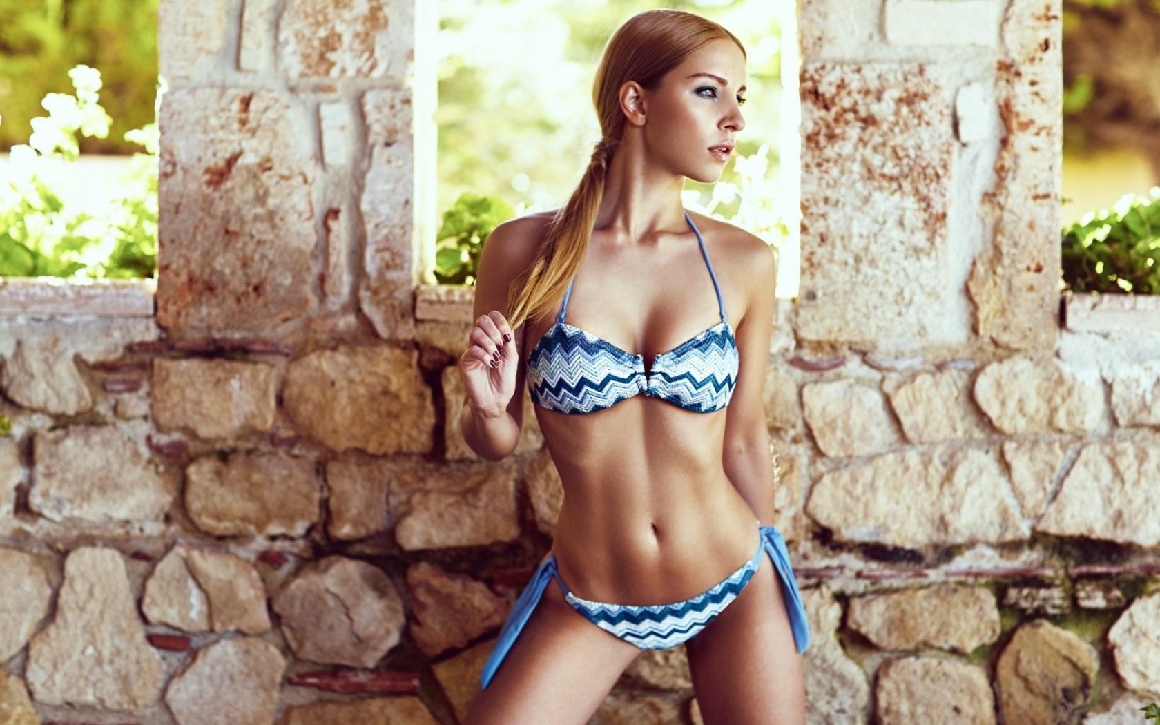 free-bikini-wall-american-bikini-videos