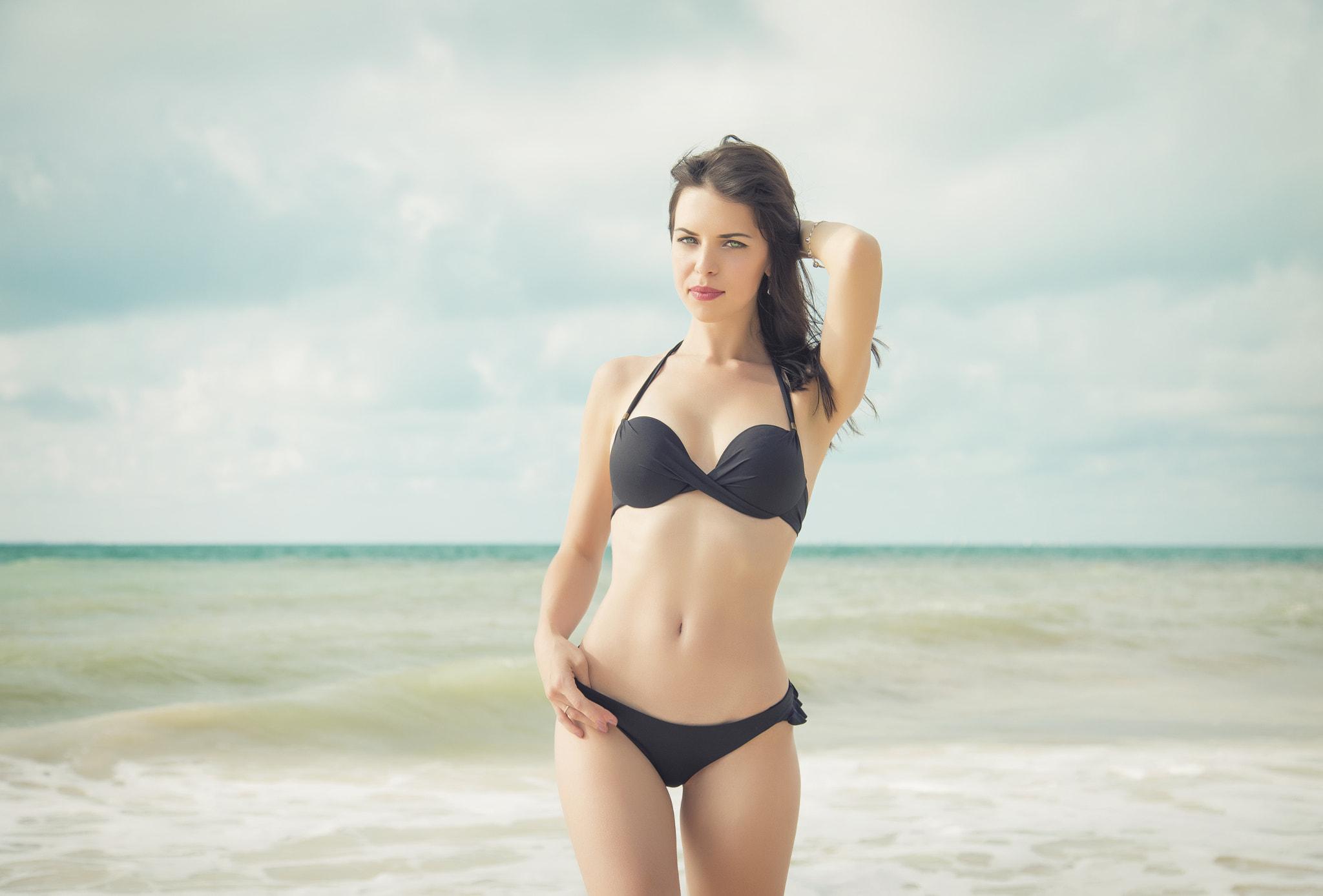 Seafolly V Wire Bandeau Bikini Top In Plum