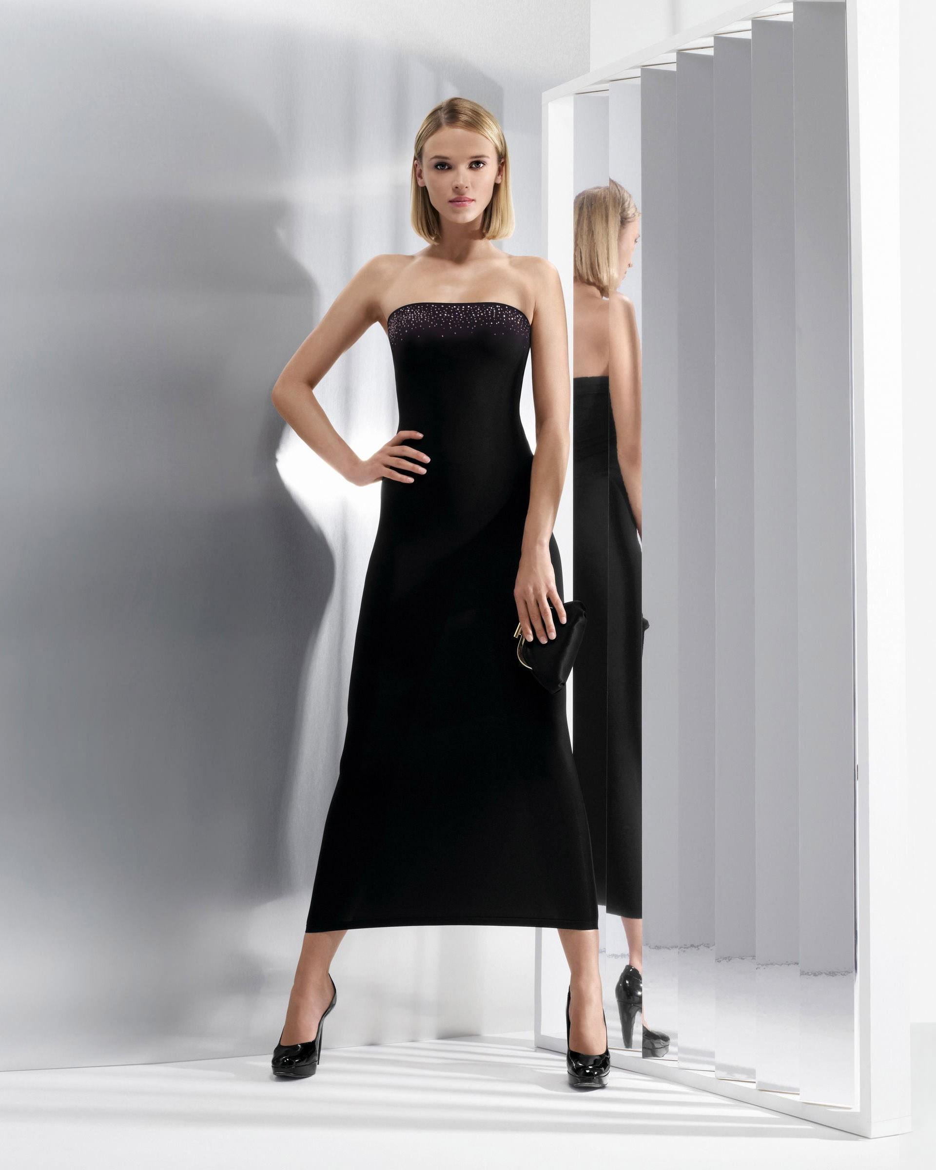 Hintergrundbilder : Frau, blond, Schwarzes Kleid, High Heels, Mode ...