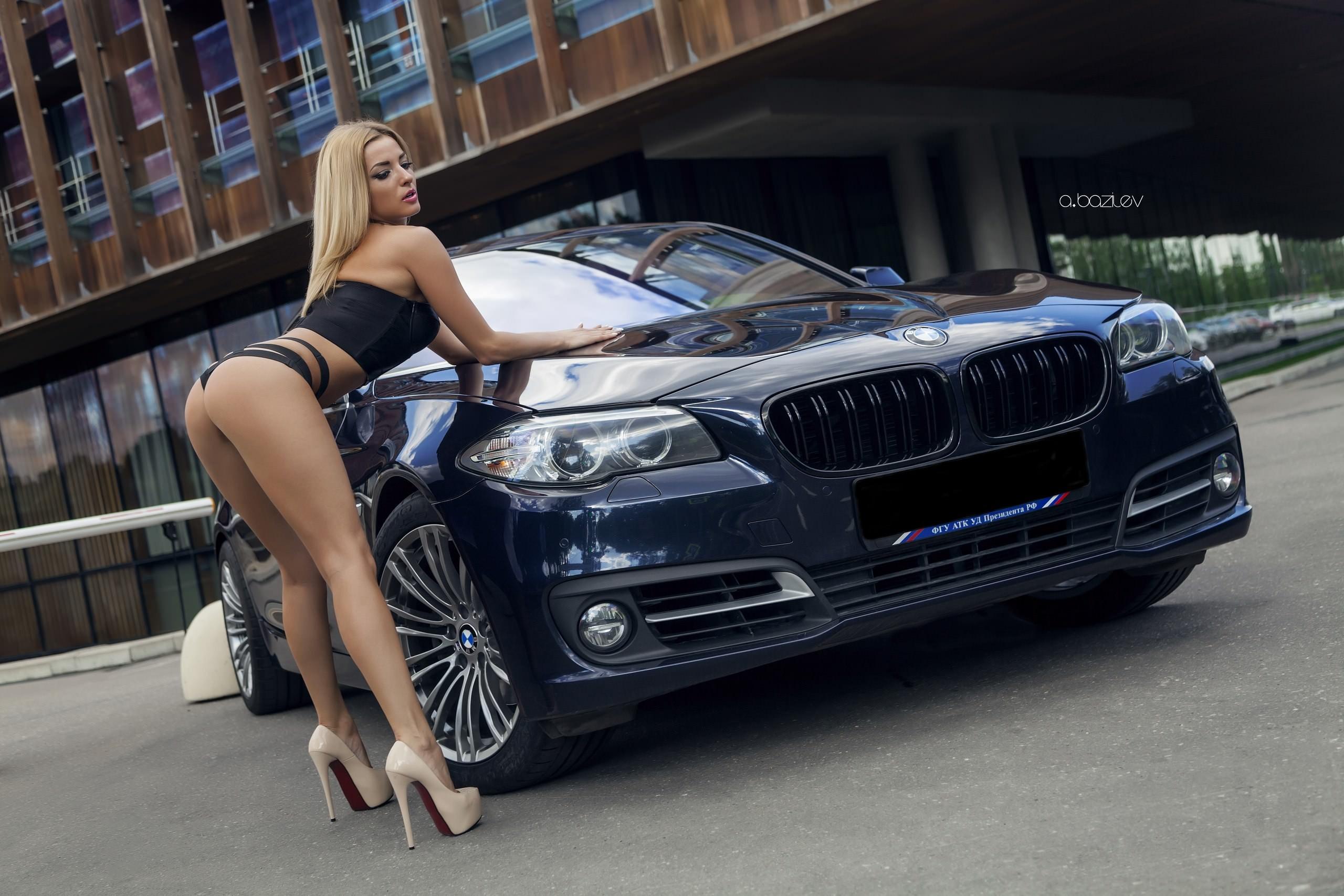 fond d 39 cran femmes blond voiture cul v hicule talons hauts lingerie noire alex bazilev. Black Bedroom Furniture Sets. Home Design Ideas