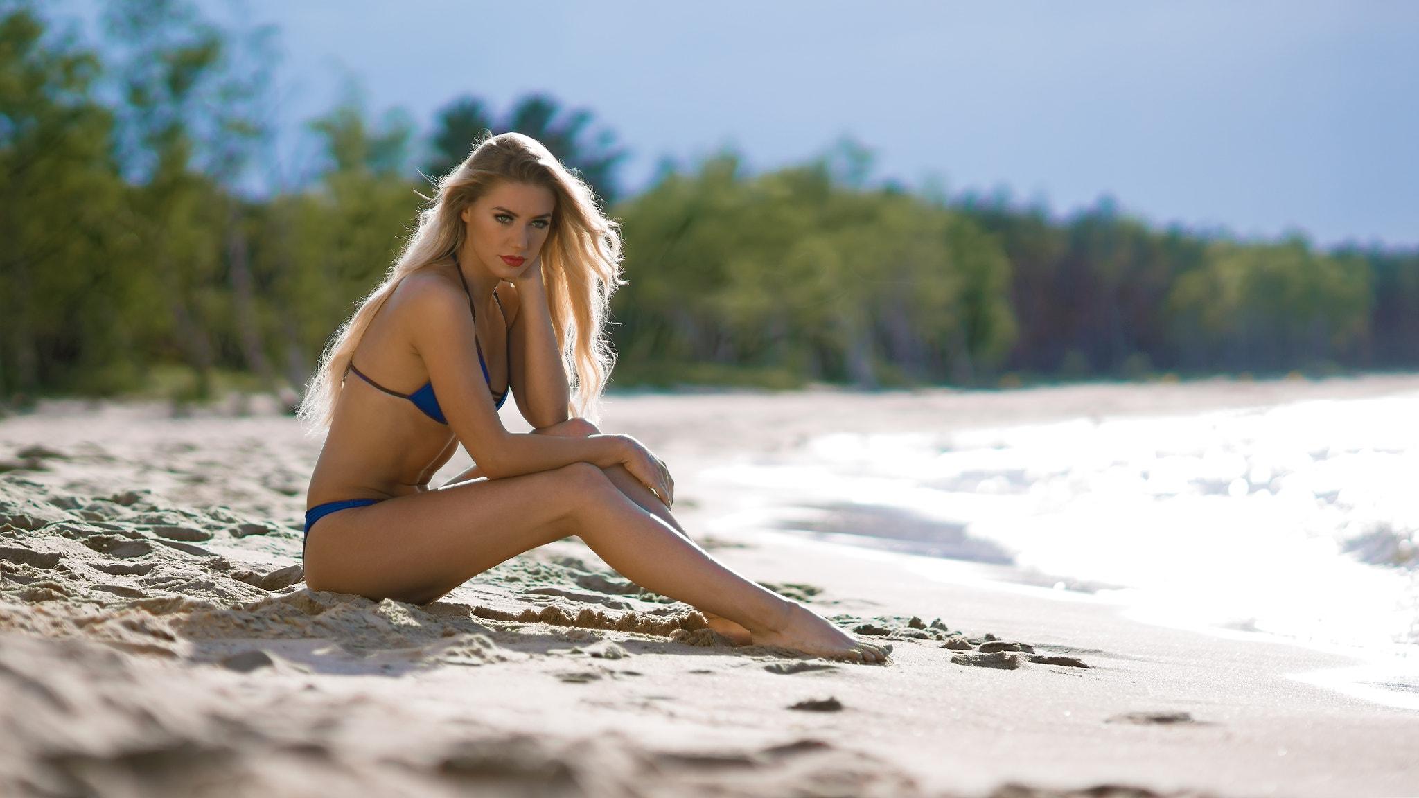 wallpaper : blonde, legs, beach, sand, sitting, blue bras, blue