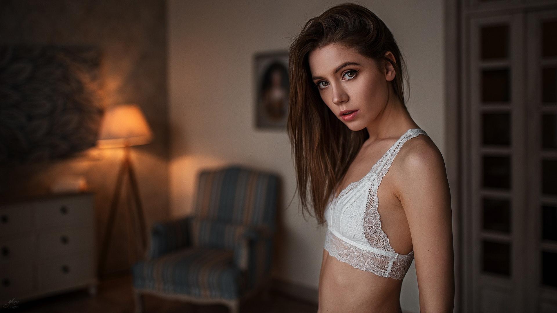 free-amateur-sexy-brunette-petite-women-nude