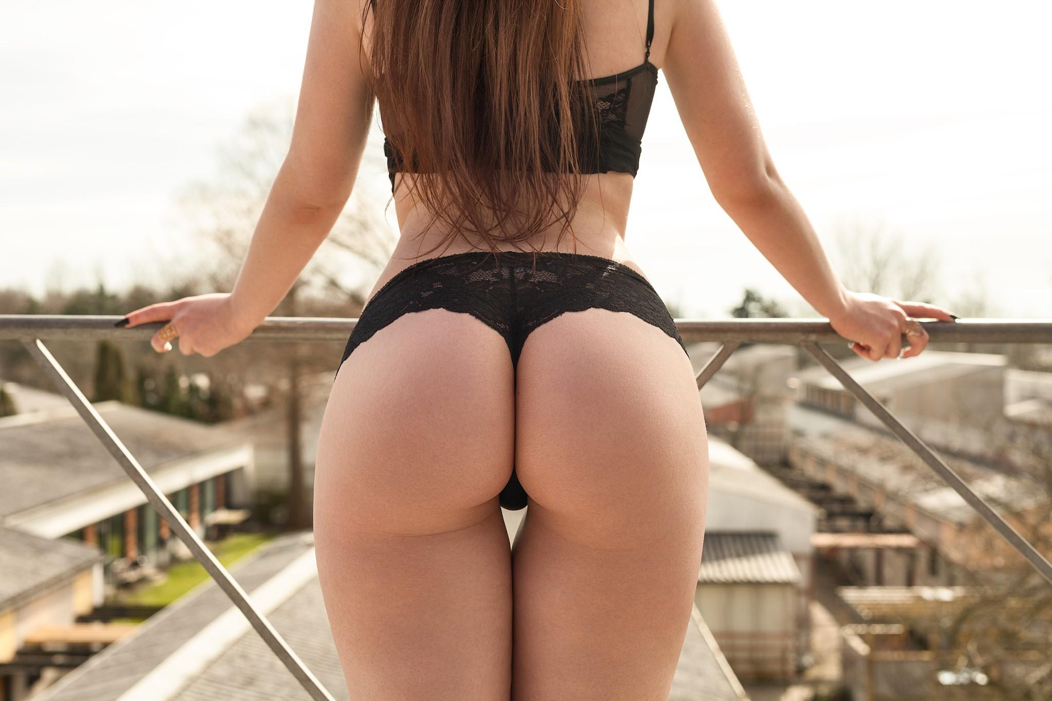 Area naked woman sexy ass butt ass butt hot butt f women's premium hoodie