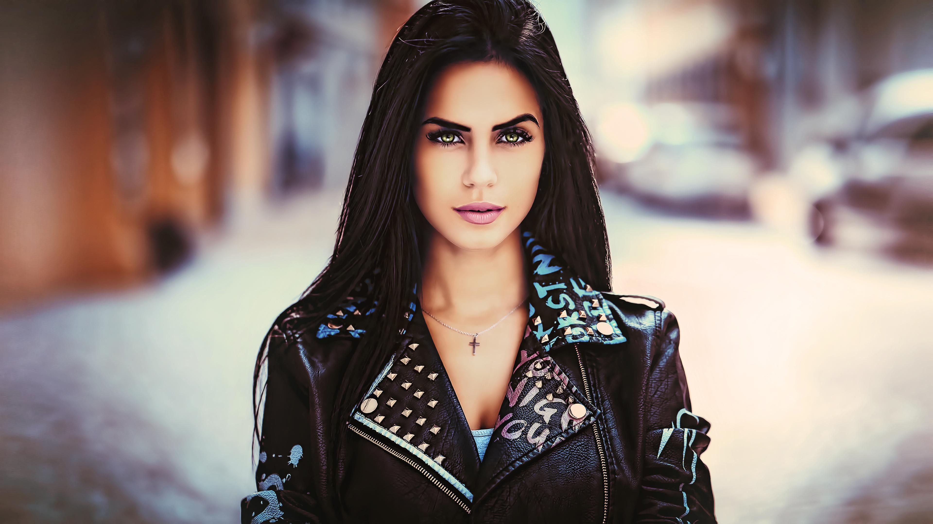 Milf Black Hair Green Eyes  Hot Girl Hd Wallpaper-6521