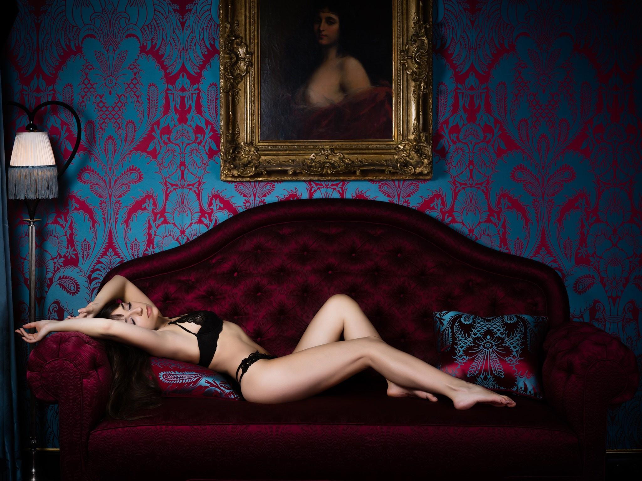 Мексиканская красотка отсосала толстый член своему другу порно фото