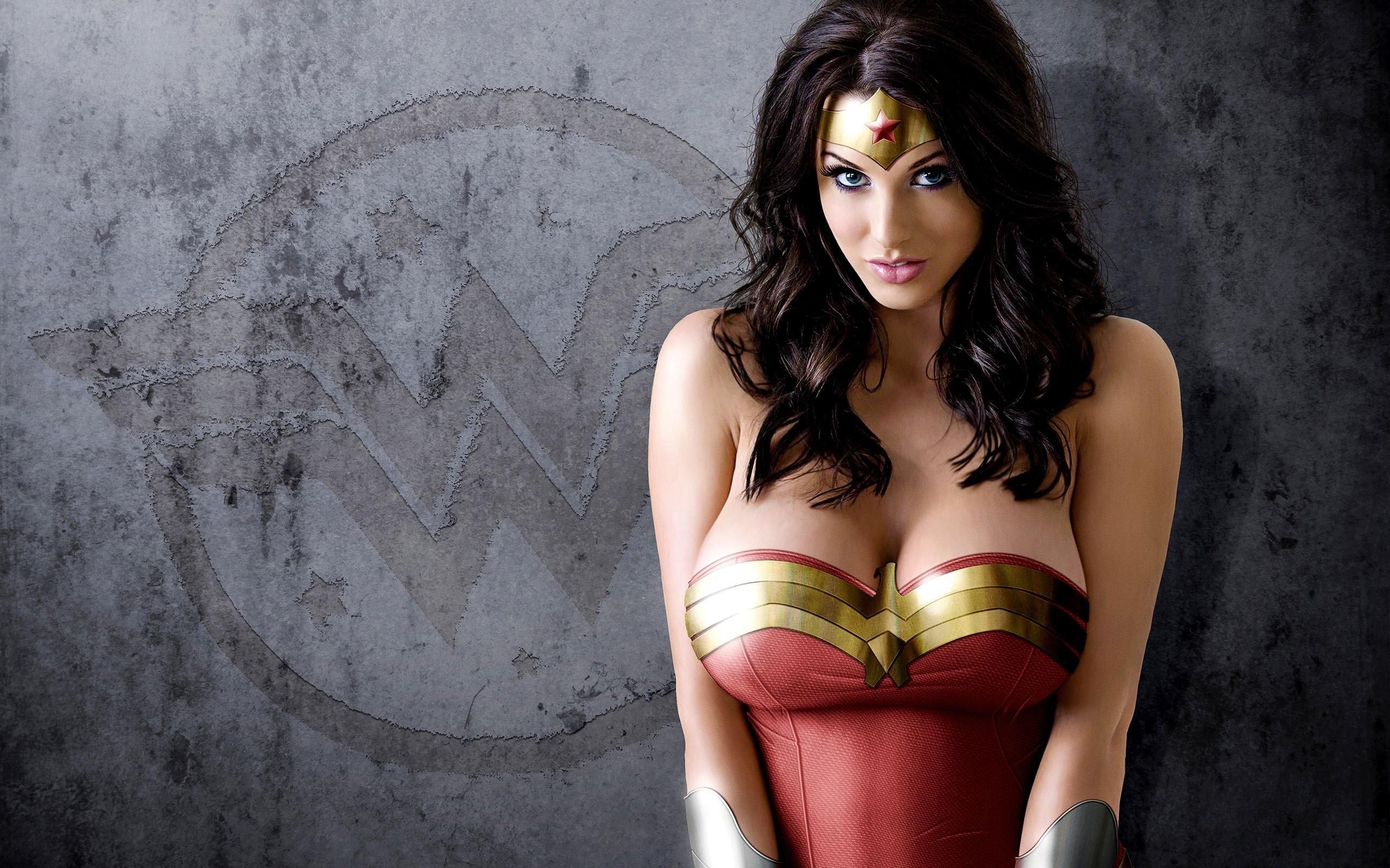 Sexy movie women