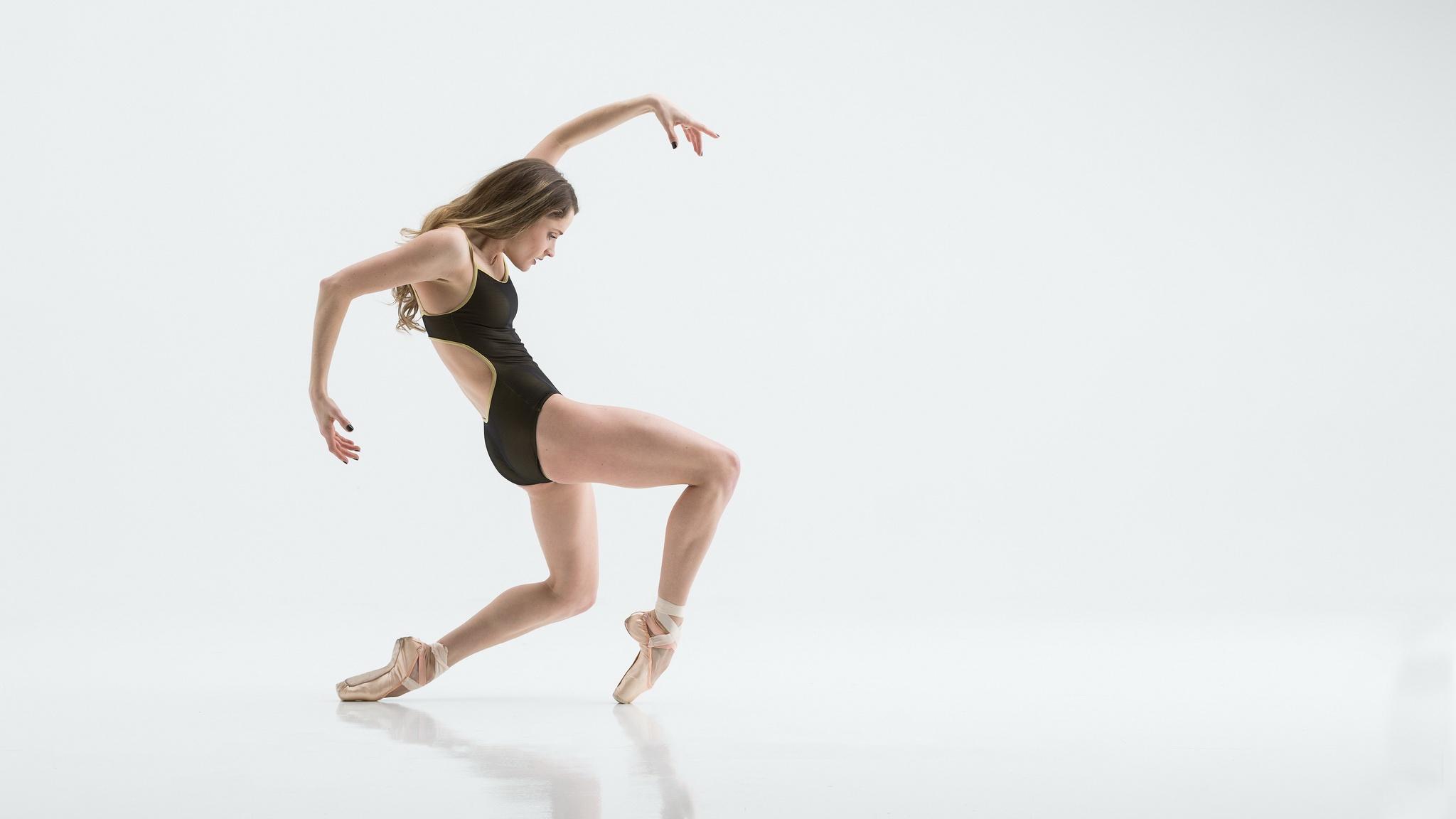 Wallpaper Women Dancer Flexible Simple Background Ballet Slippers 2048x1152 Wallpapermaniac 1562971 Hd Wallpapers Wallhere