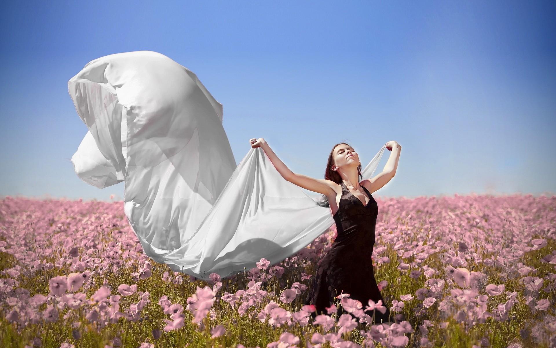 картинки безмятежного счастья женщины улицу одеваются