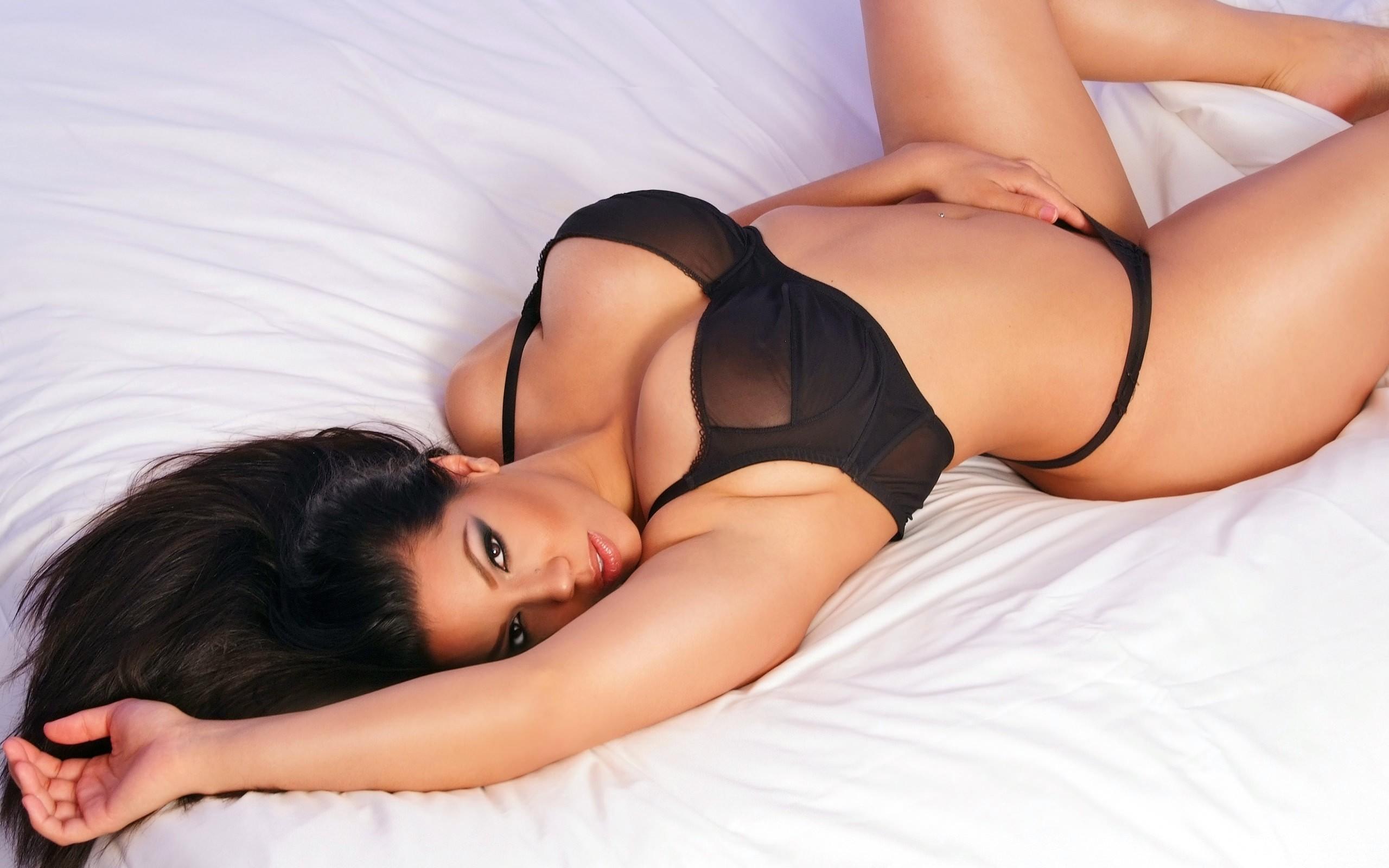 Cassie dos santos london's sexiest independent ebony escort