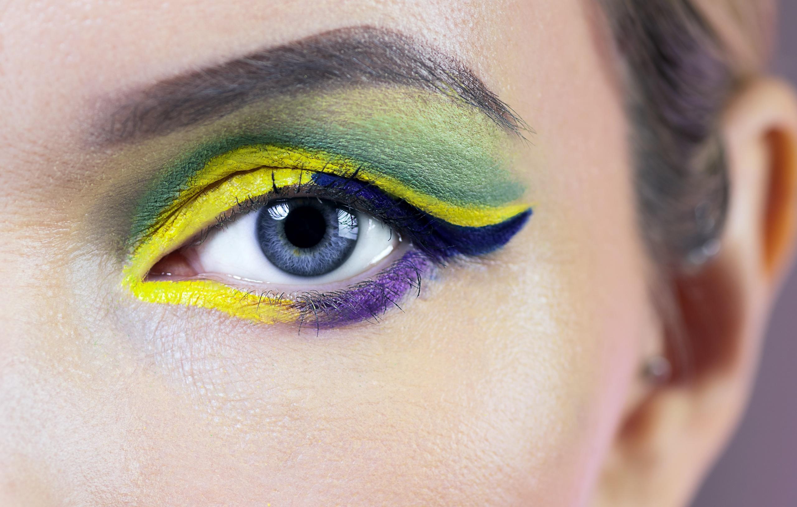femmes maquillage les yeux Coloré yeux bleus