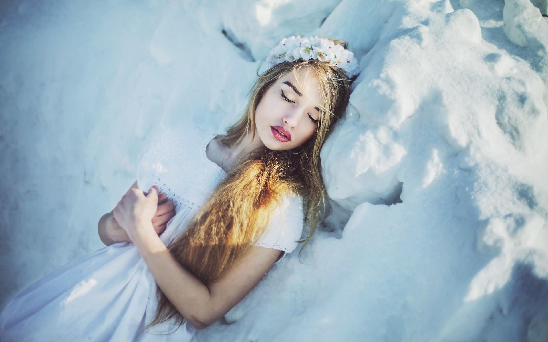 Angel Snow