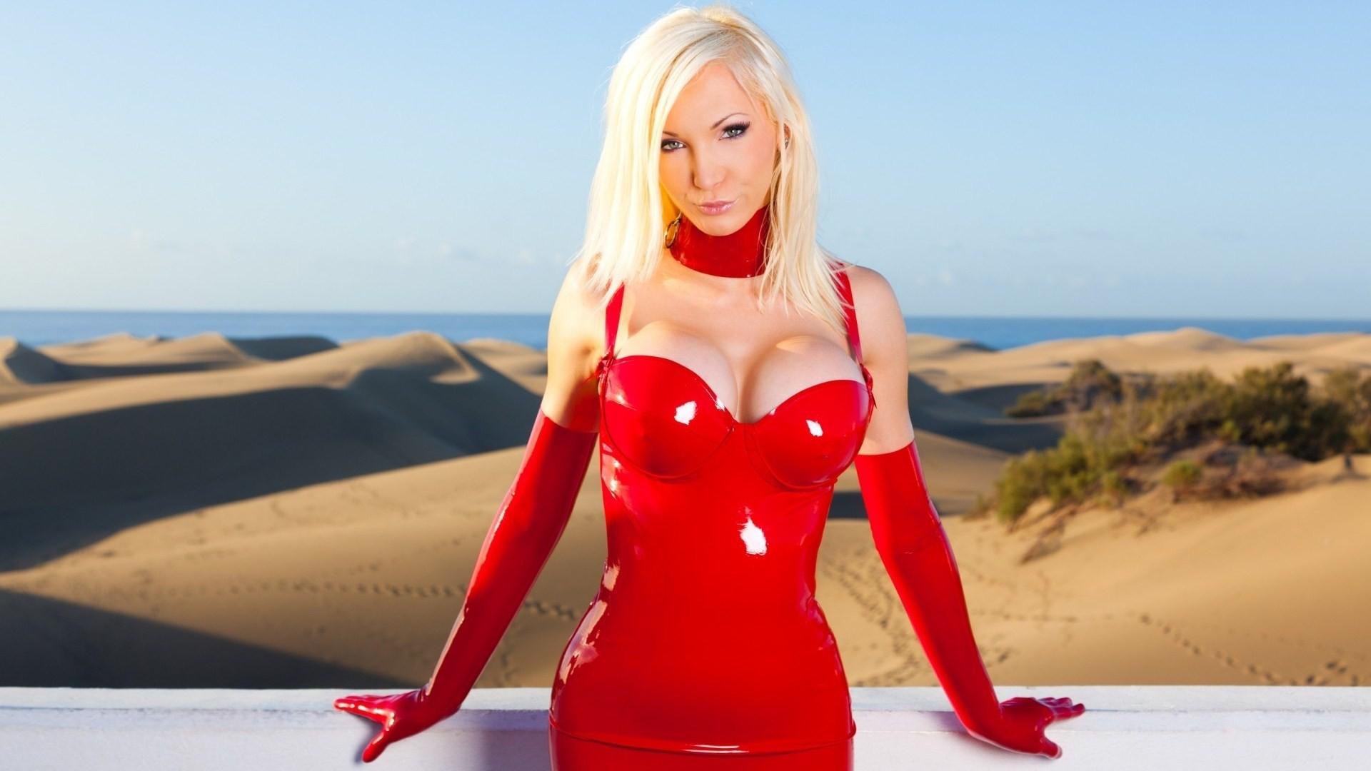 Sexy blonde calendar babe Kissa Sins modeling hooker outfit outdoors № 1018894 загрузить