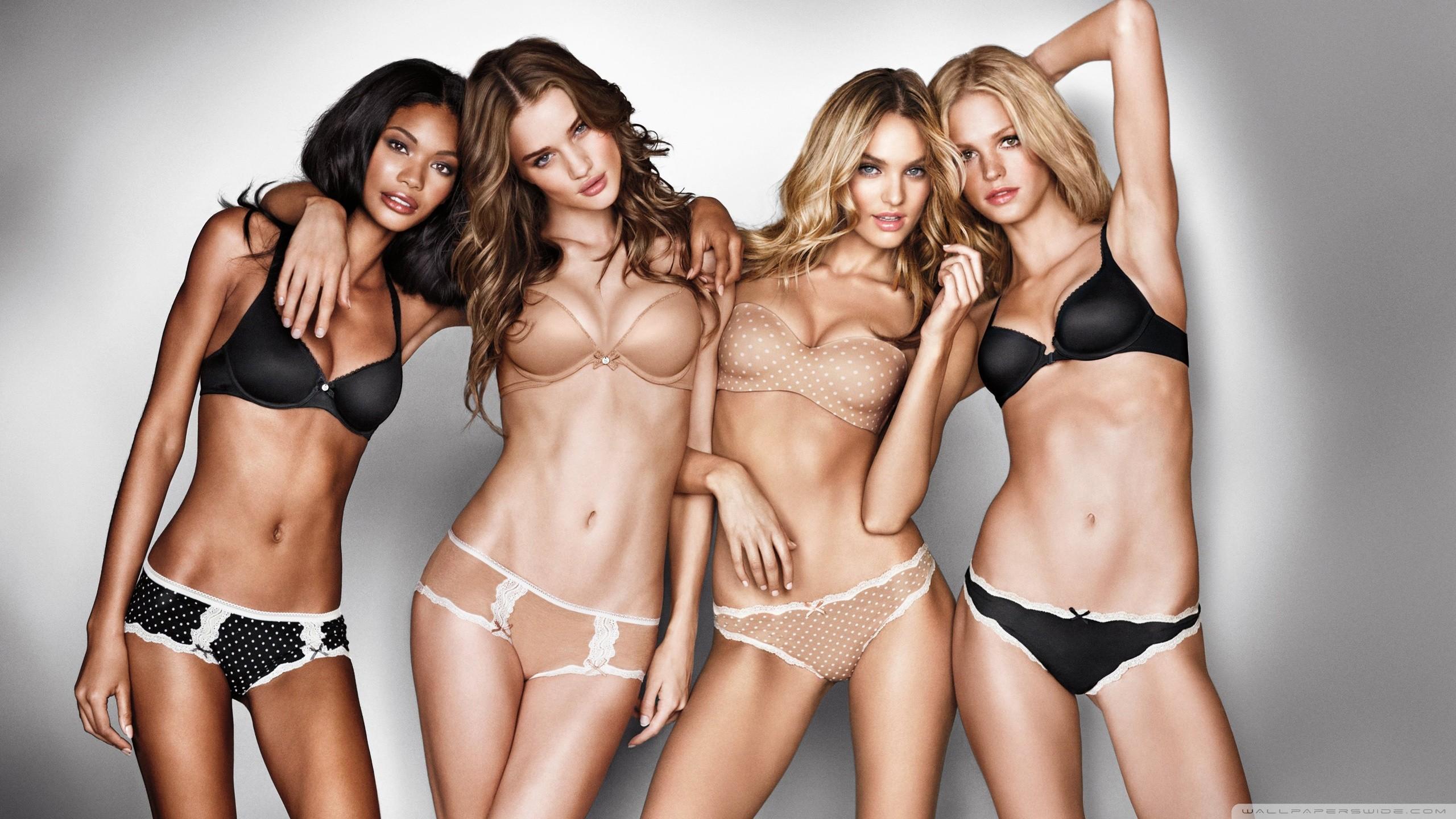 Victoria's Secret Models With Short Bikini