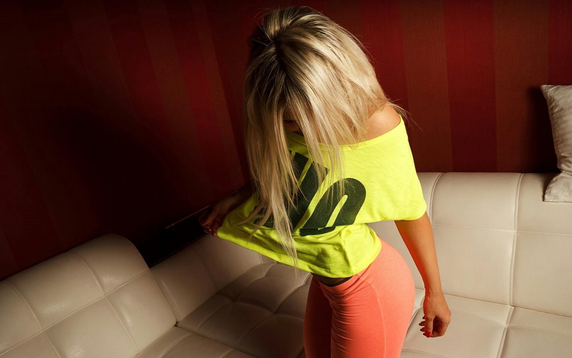foto-popki-blondinki
