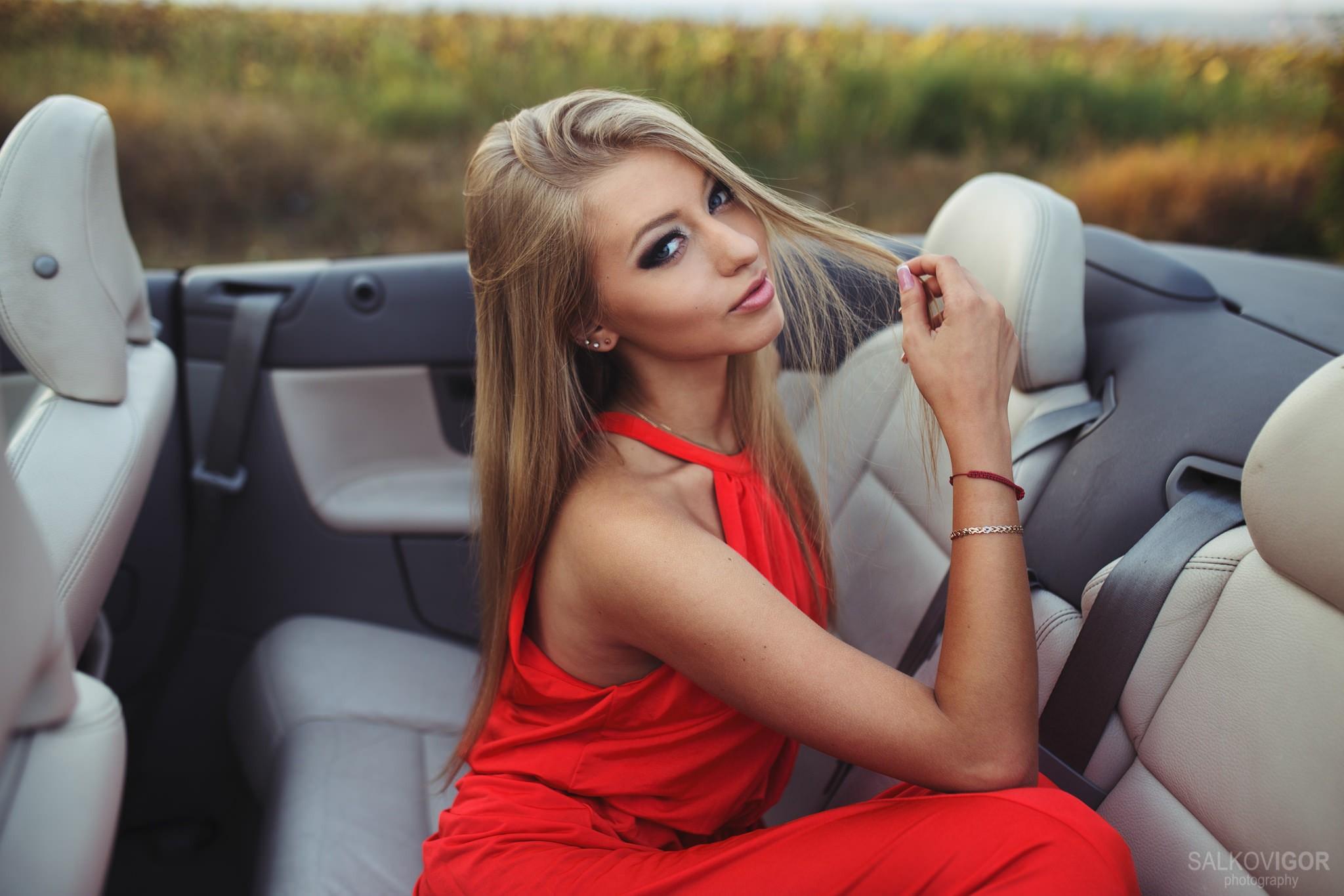 фото красивых девушек блондинок в авто нас тоже