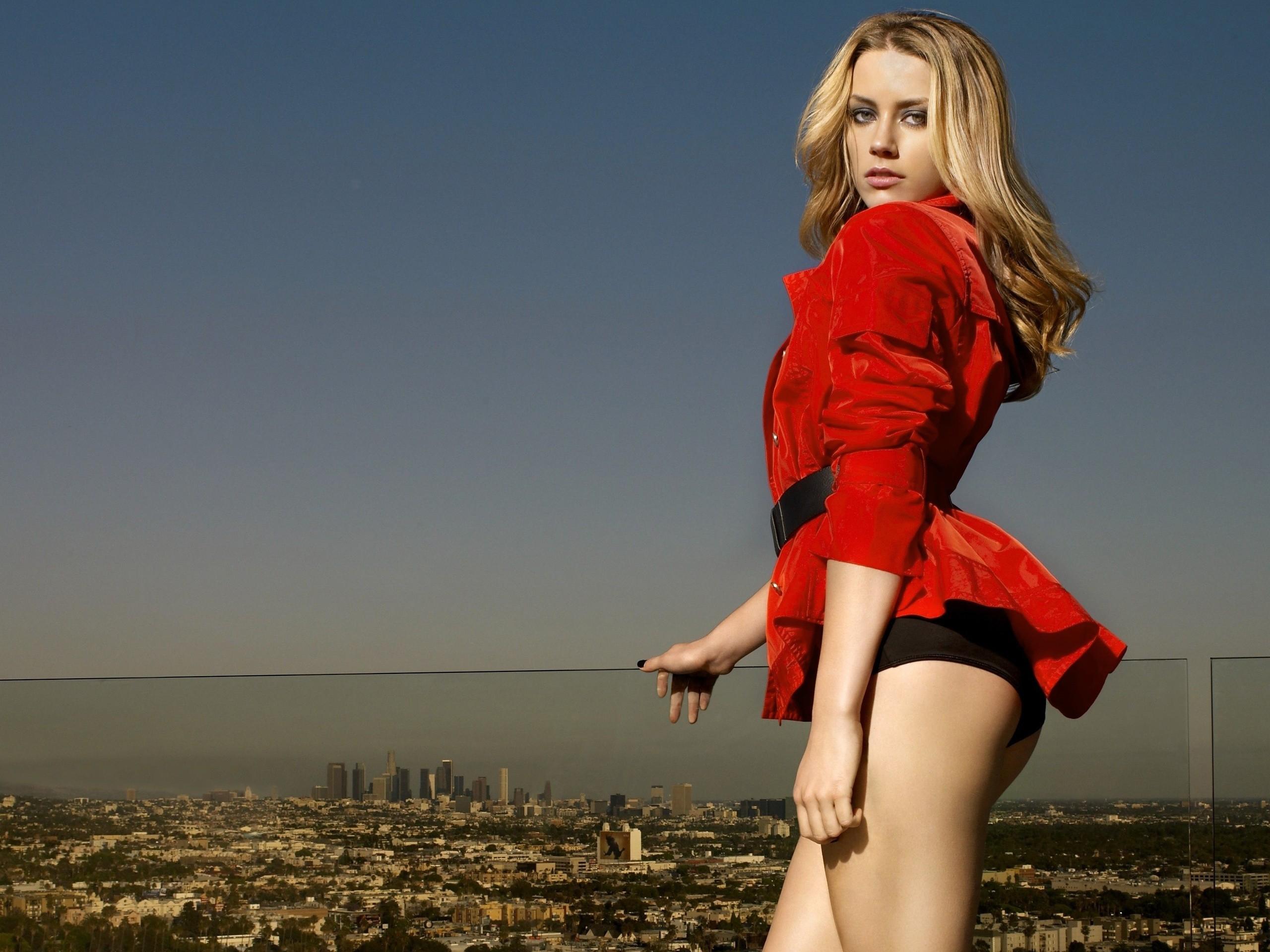 wallpaper : women, model, blonde, cityscape, long hair, ass, looking