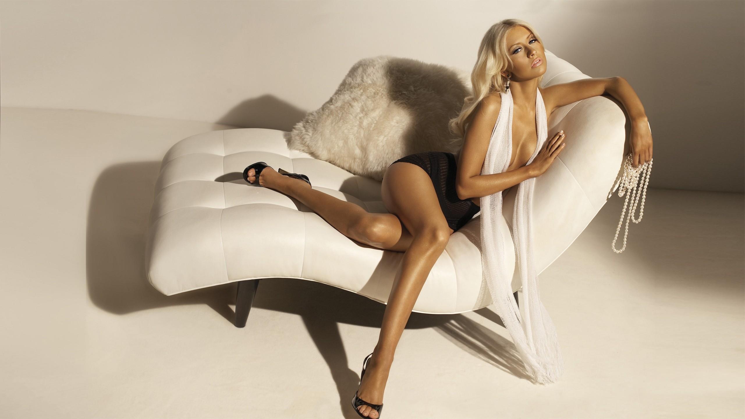Platinum blonde cleavage