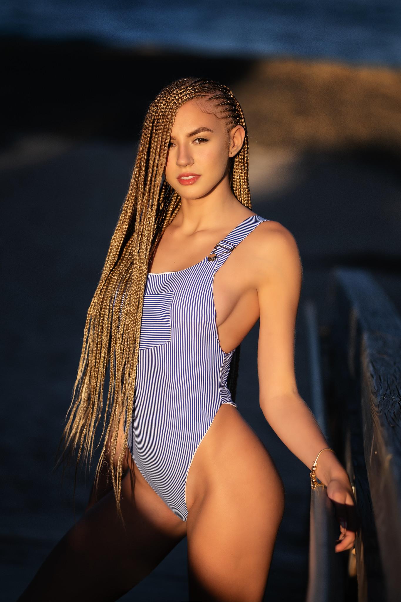 Wallpaper : model, blonde, looking at viewer, touching