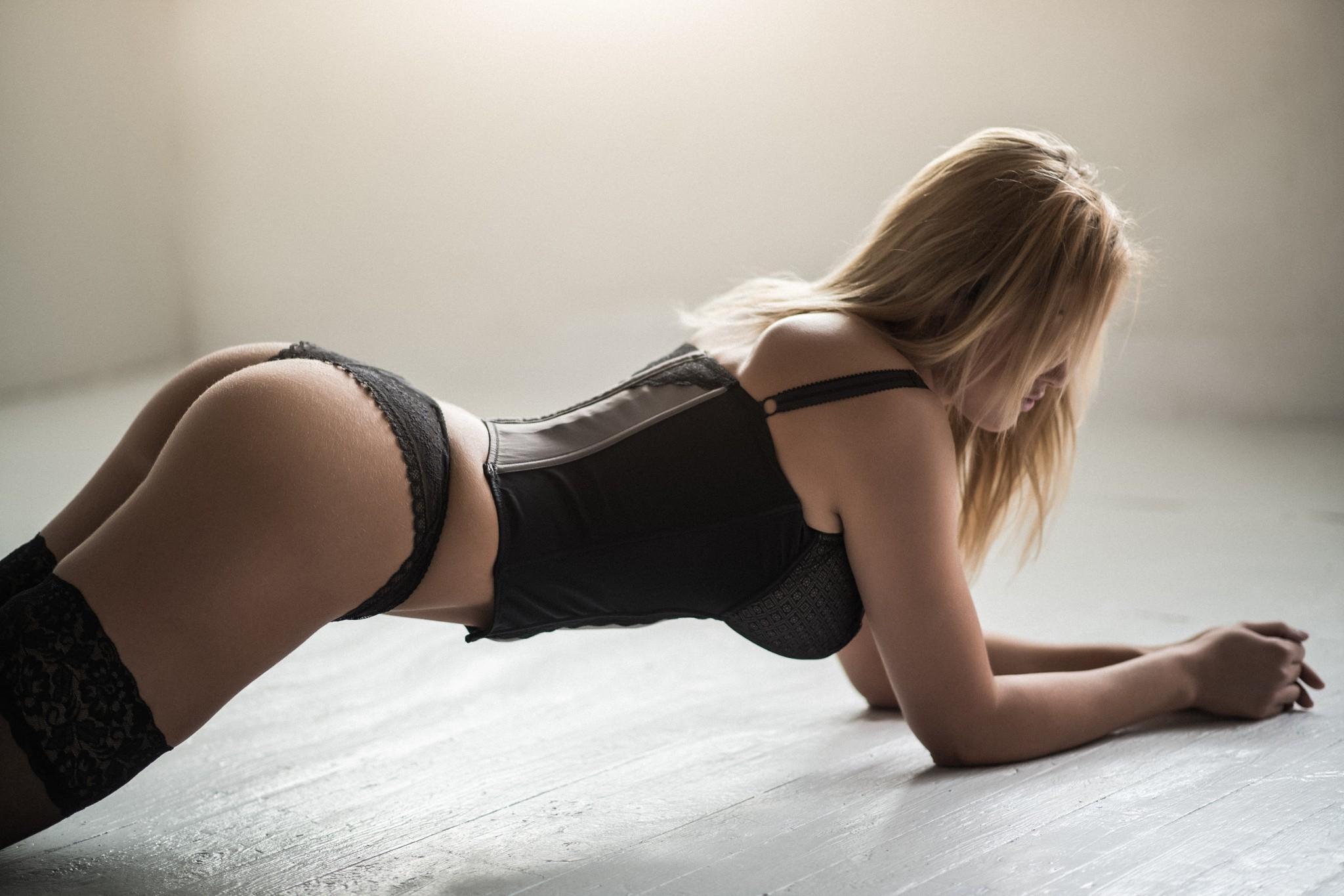 tihonechko-v-popku-foto-porno