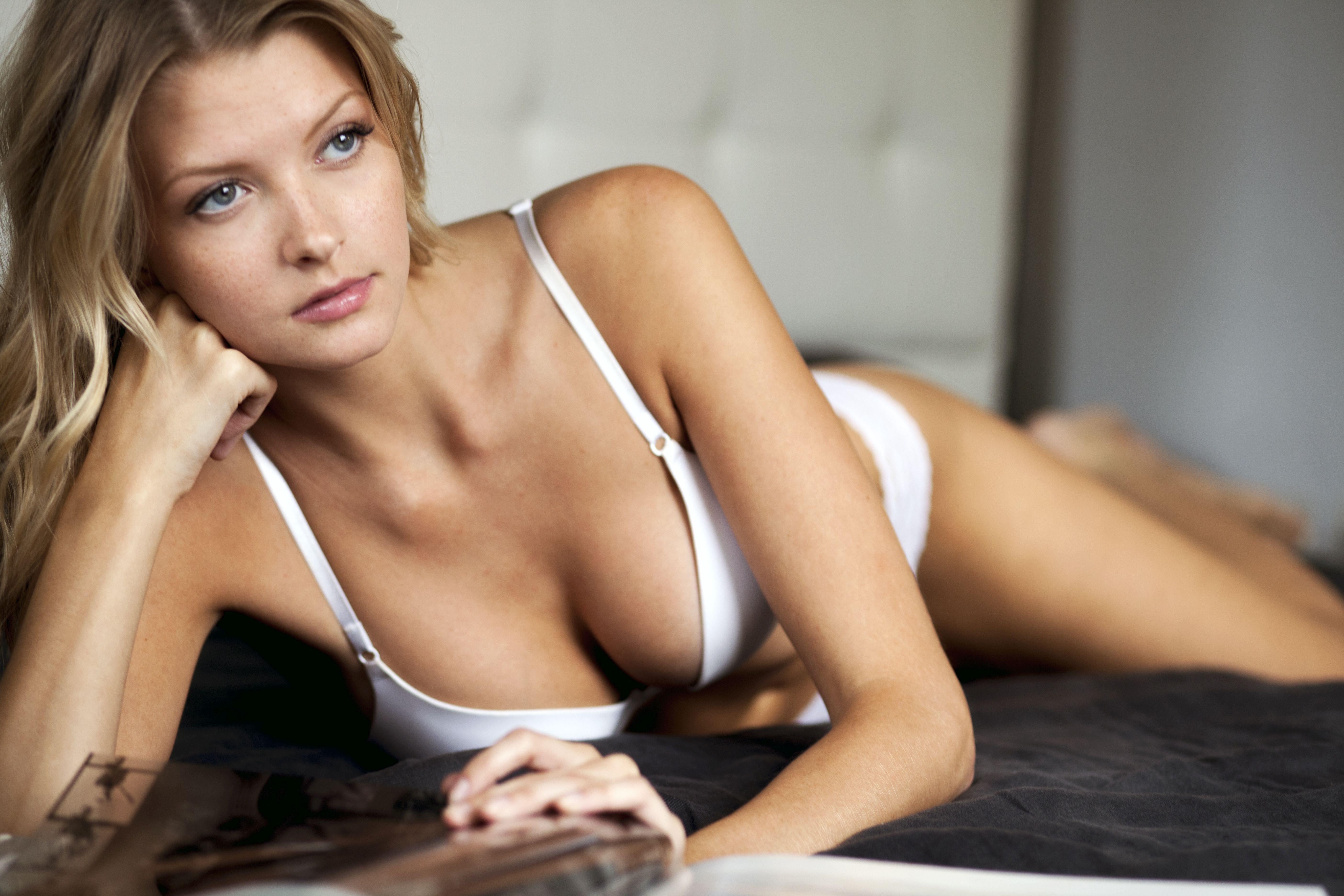 Erotic art photos of naked women