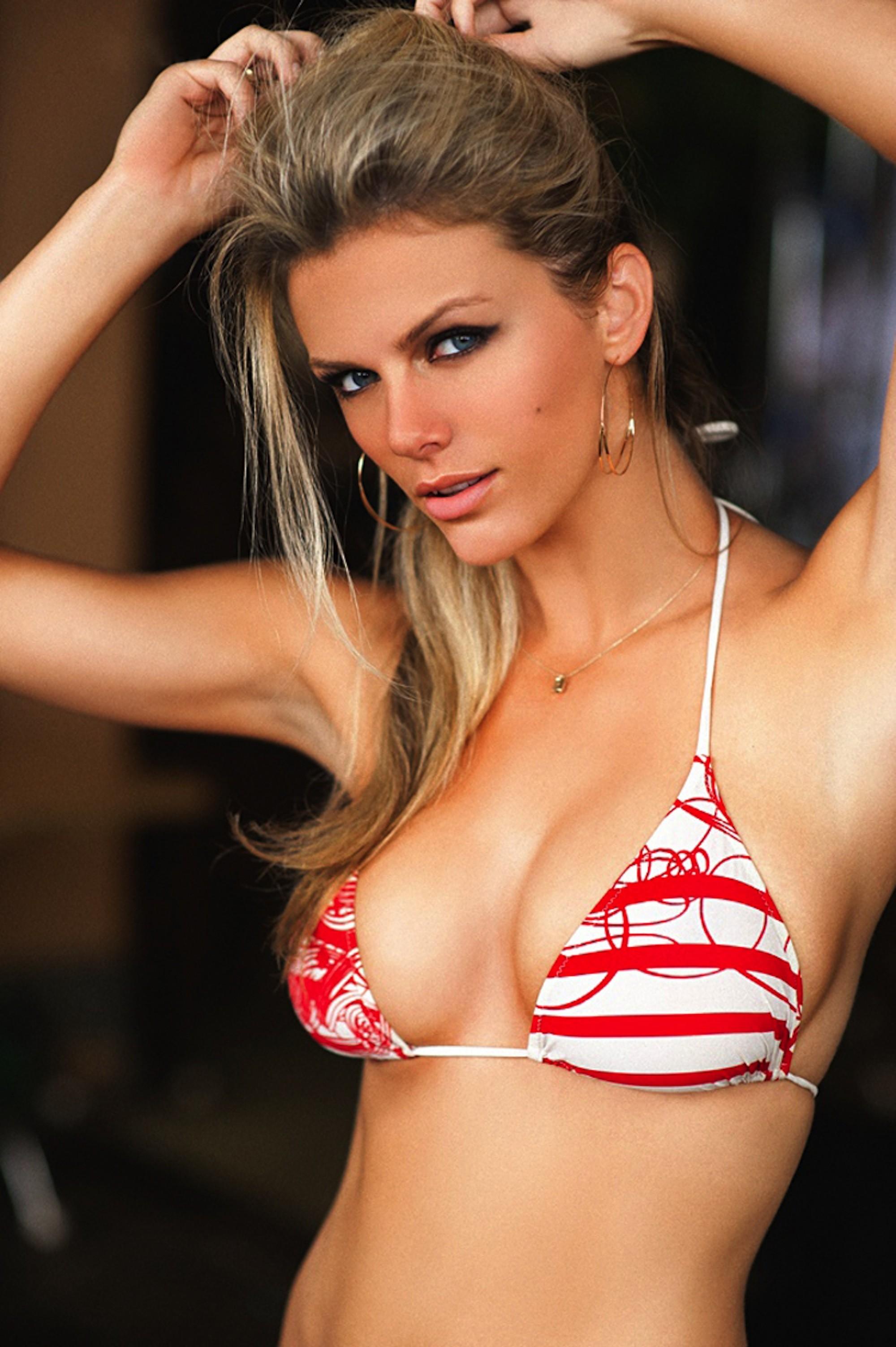 Bikini photo of the day Olivia Culpo Bikini Photo Shoot In 115 Degrees! m