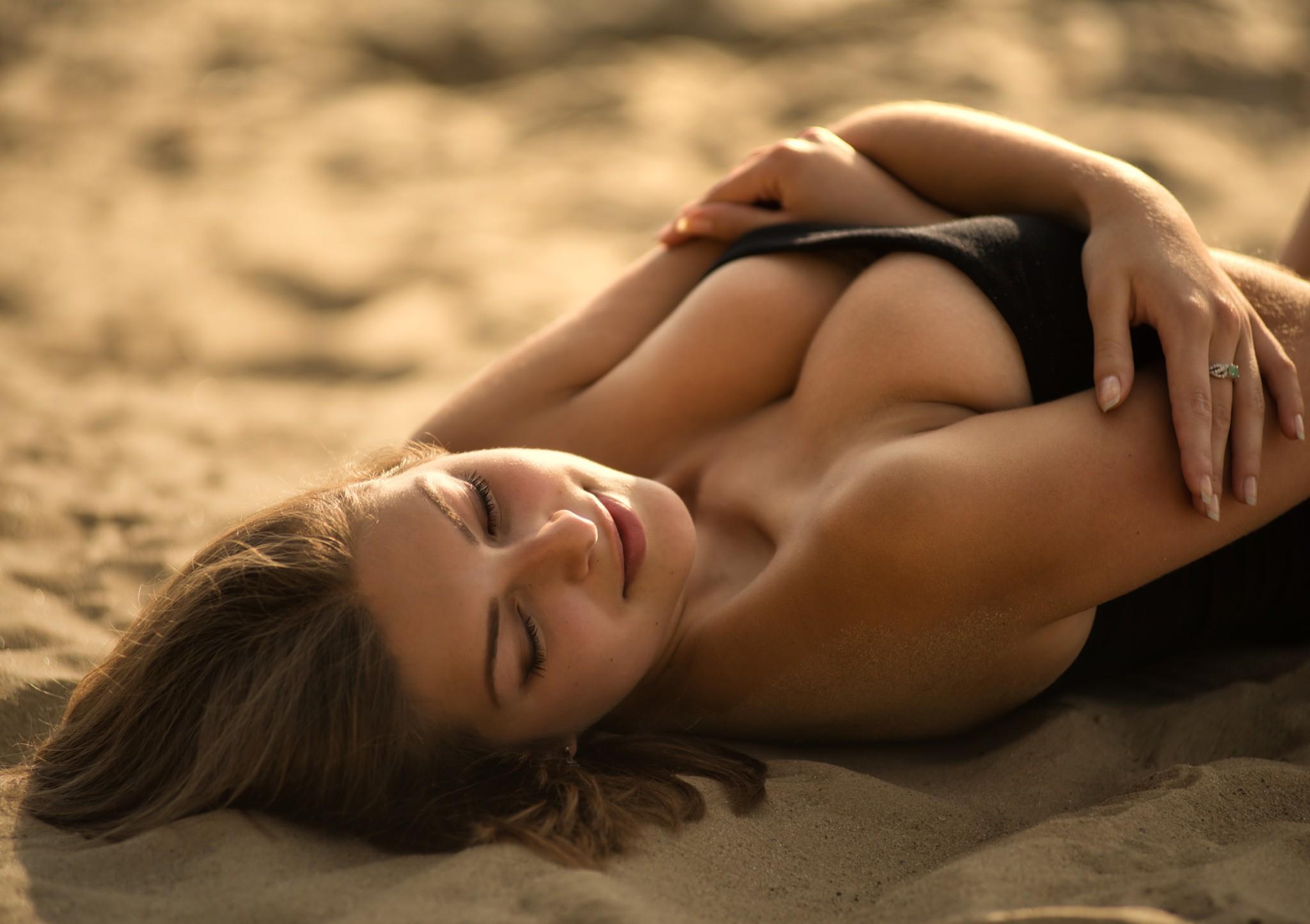 γυμνή παραλία μοντέλα