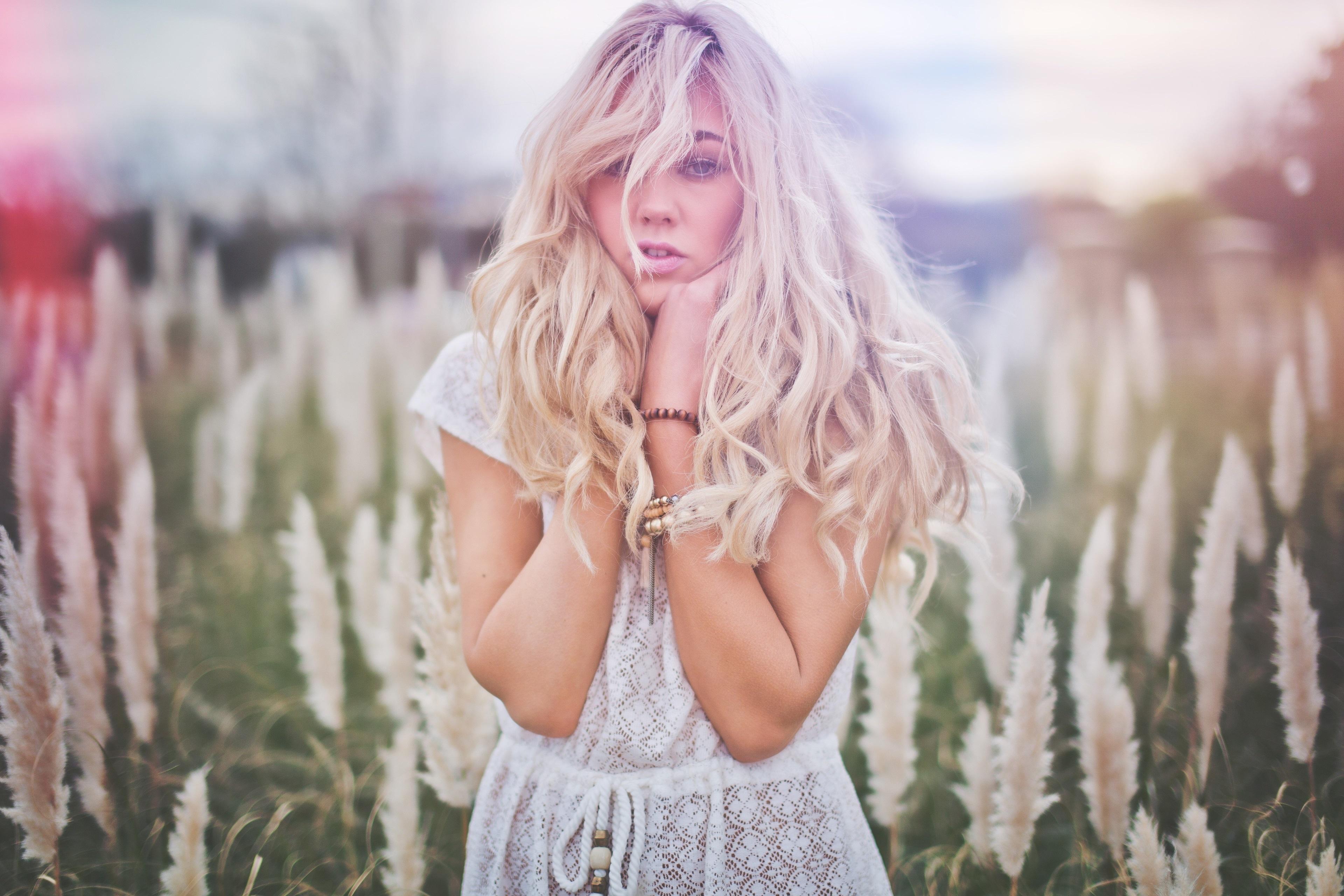 Картинки блондинка с длинным волосом
