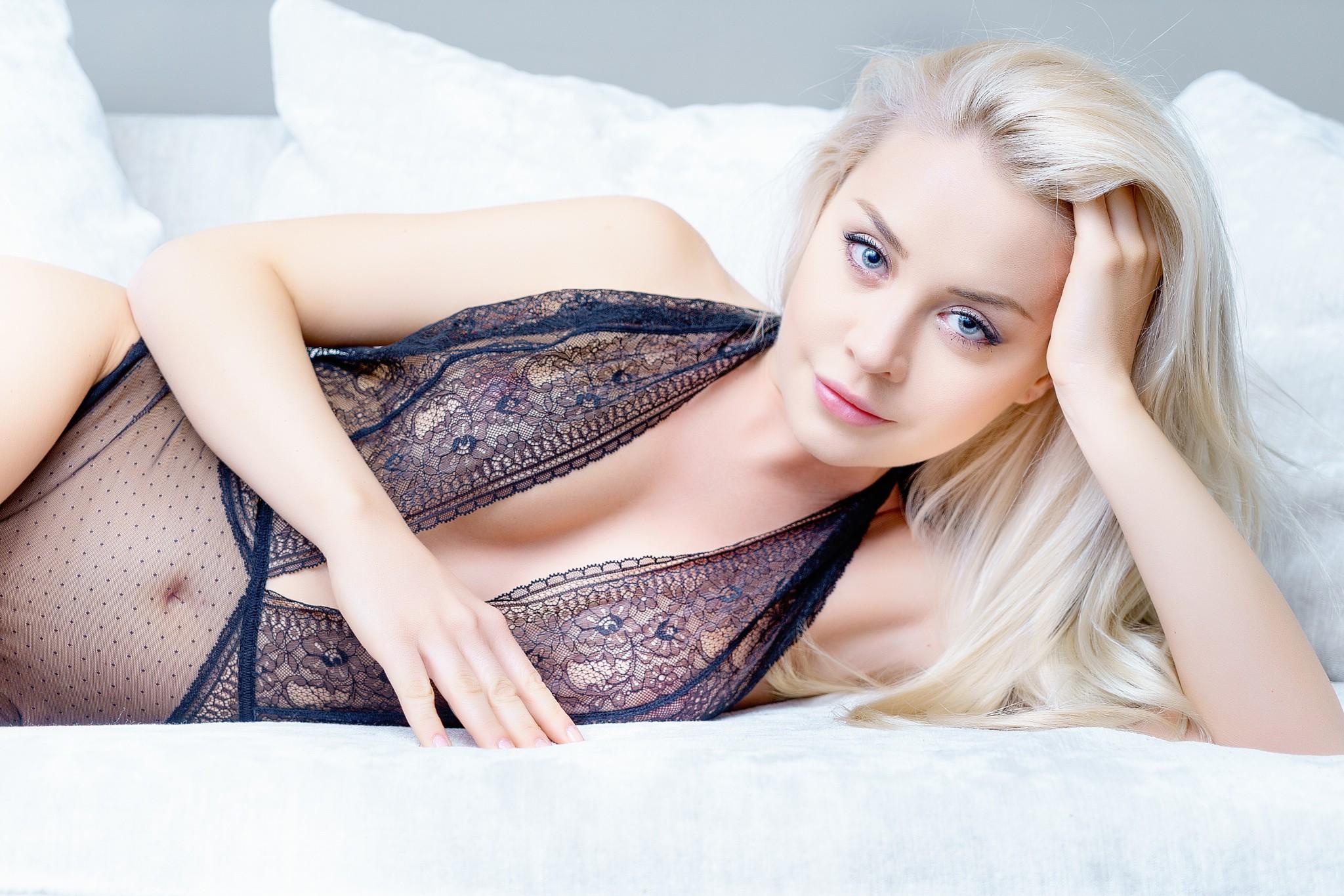 Amber Karis Bassick Nude Photos 53