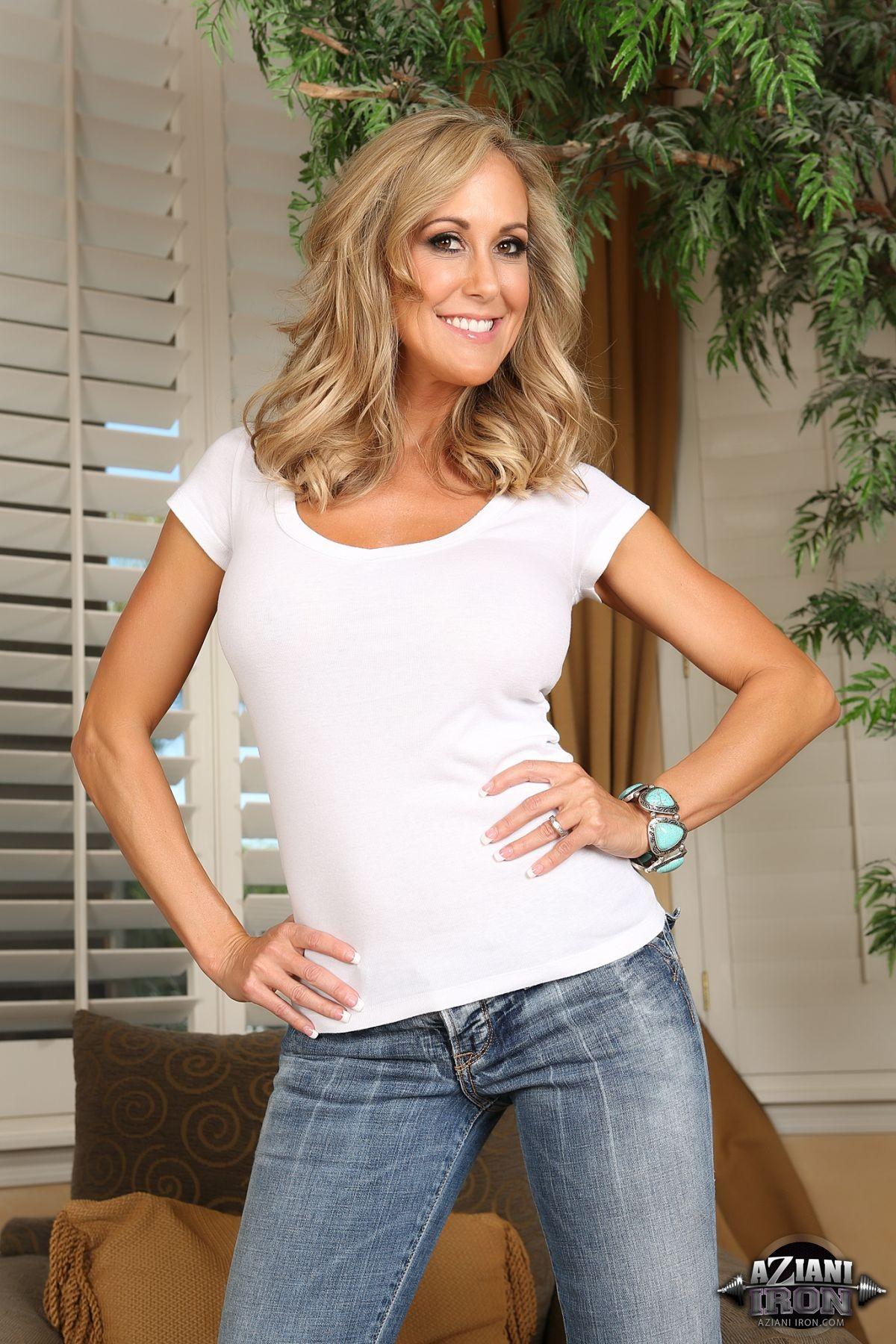 Wallpaper : model, blonde, long hair, portrait display