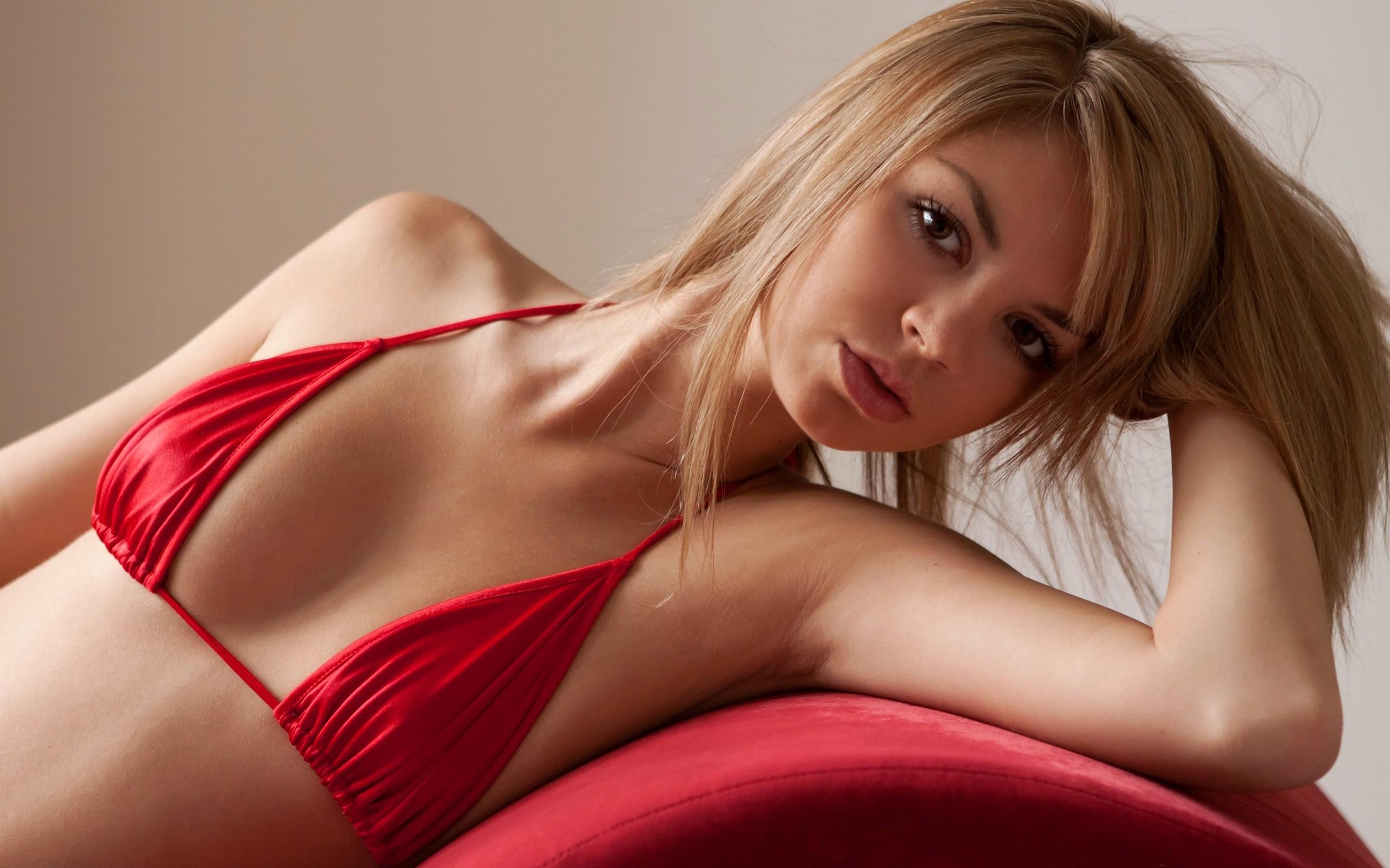 Wallpaper : women, model, blonde, long hair, red, black ...