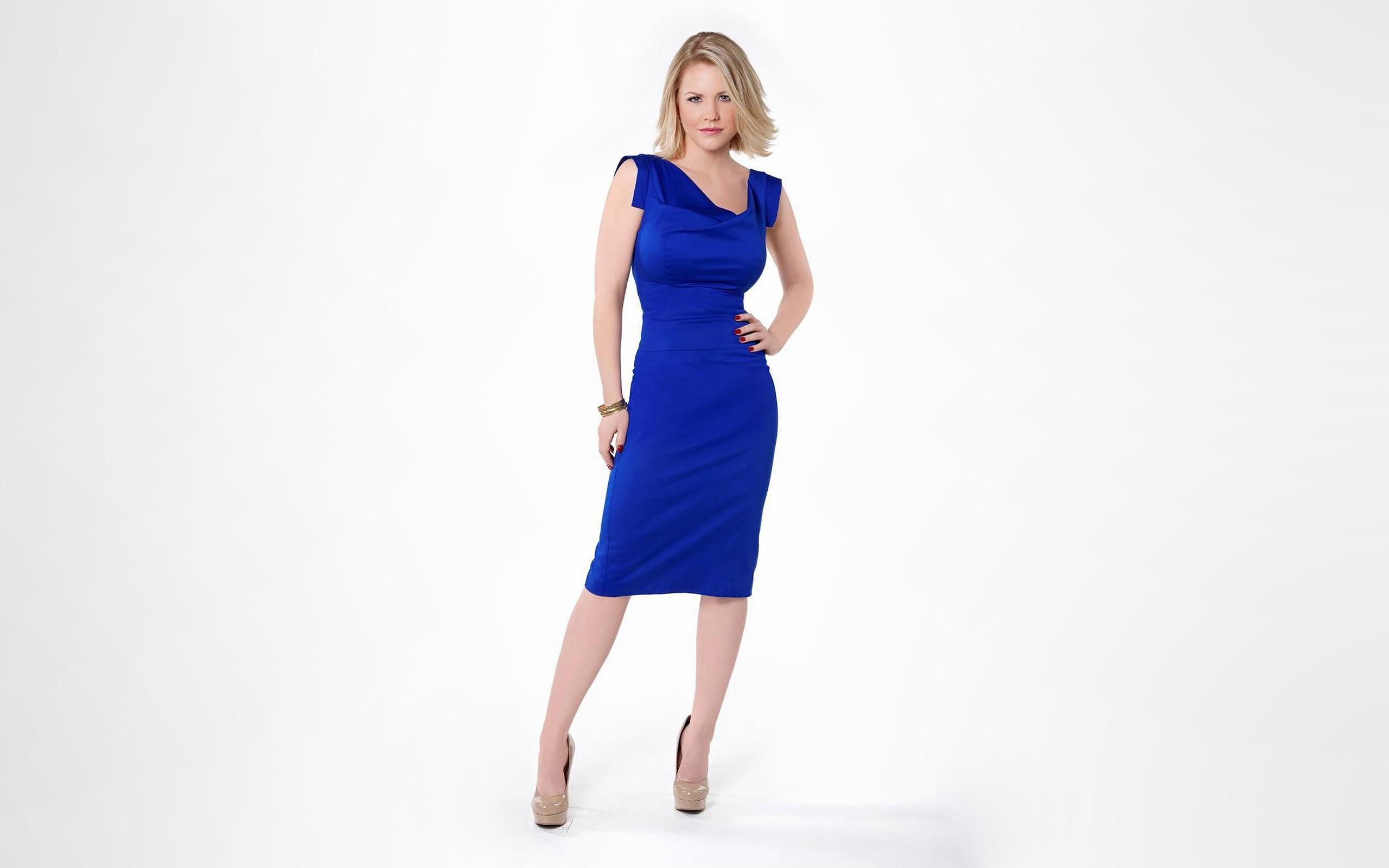 Hintergrundbilder : Frau, Modell-, blond, Einfacher hintergrund ...