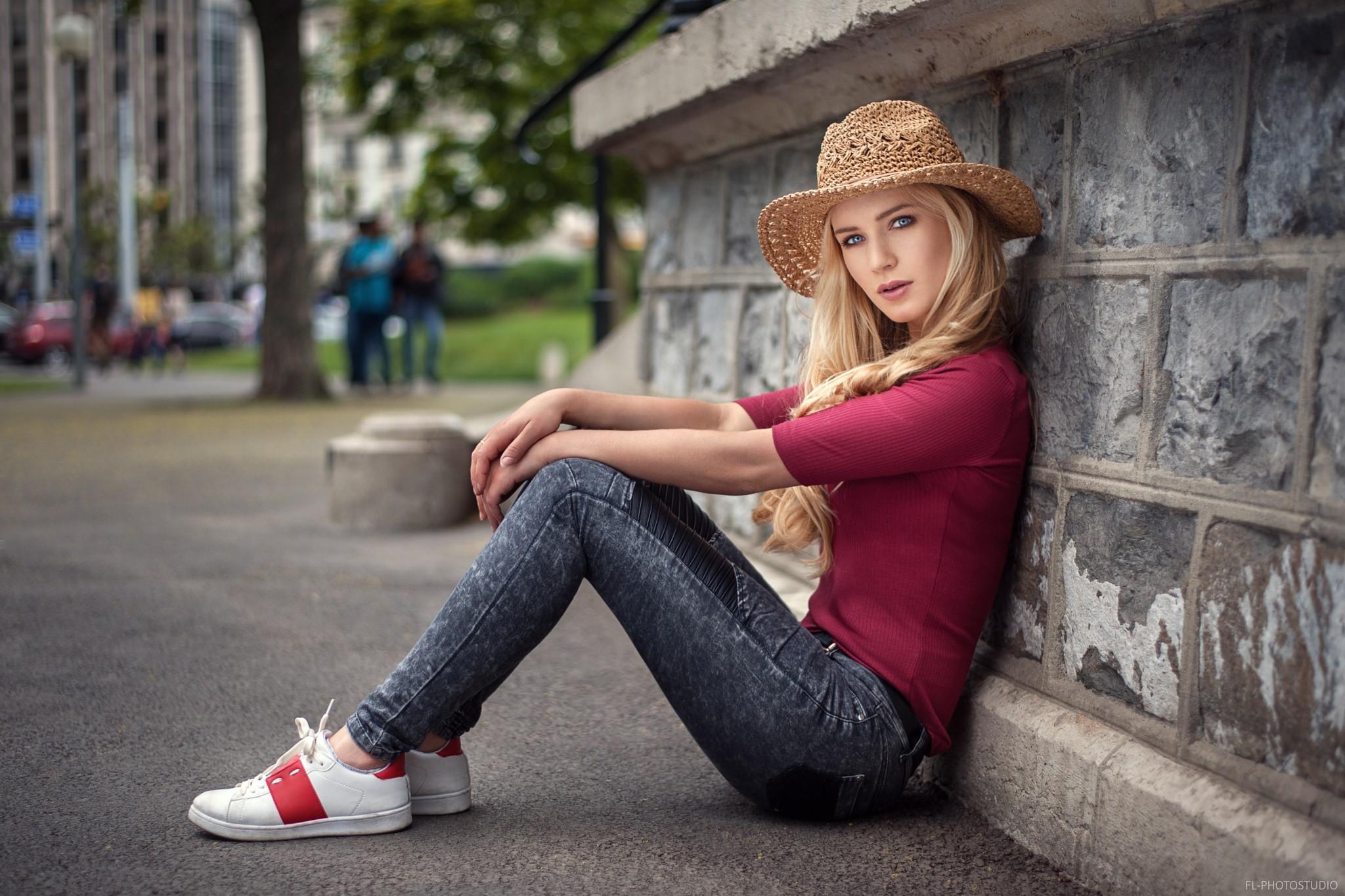 Hair Style Jeans: Wallpaper : Women, Model, Blonde, Street, Long Hair