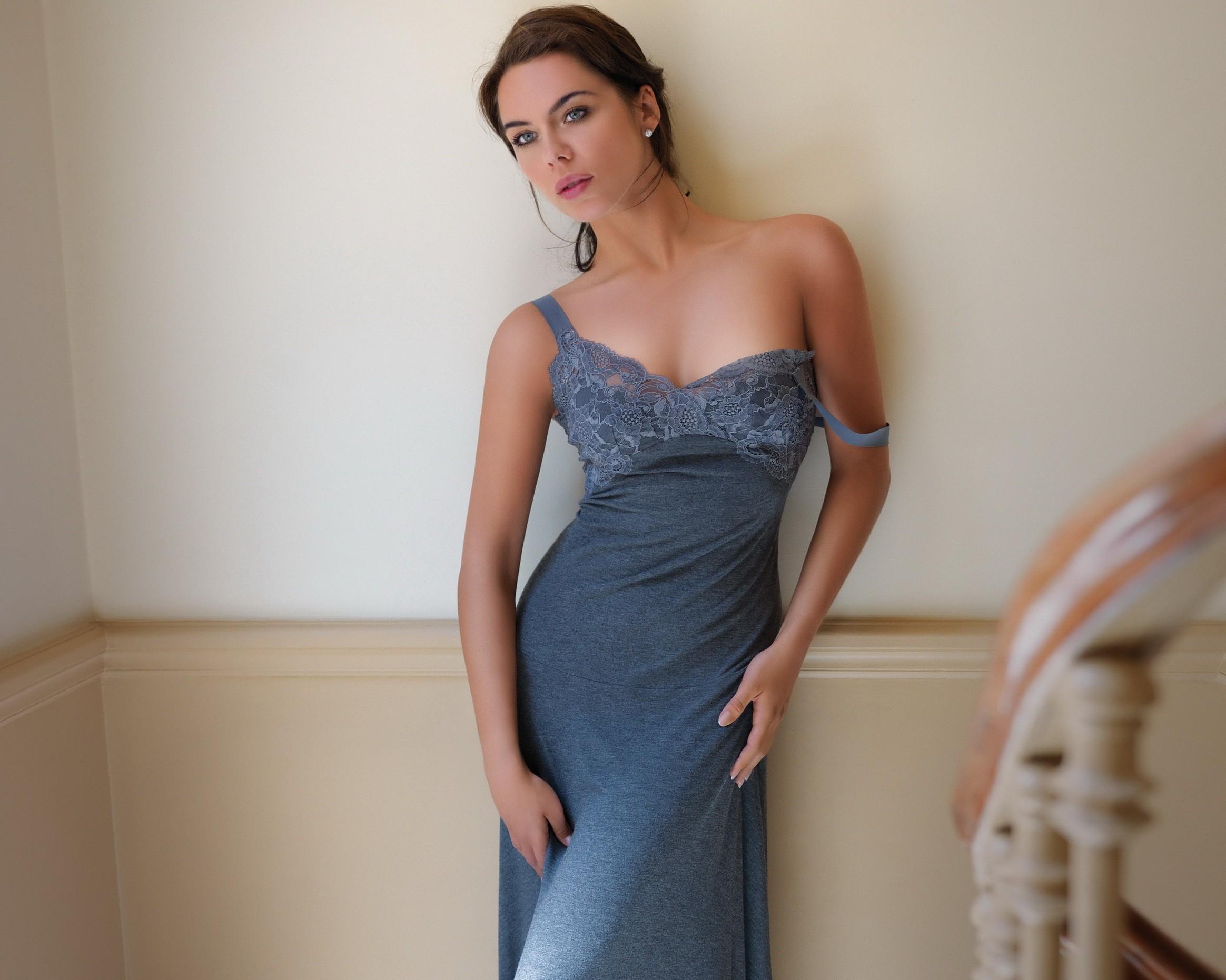 Hintergrundbilder : Frau, Modell-, Brünette, nackten Schultern ...