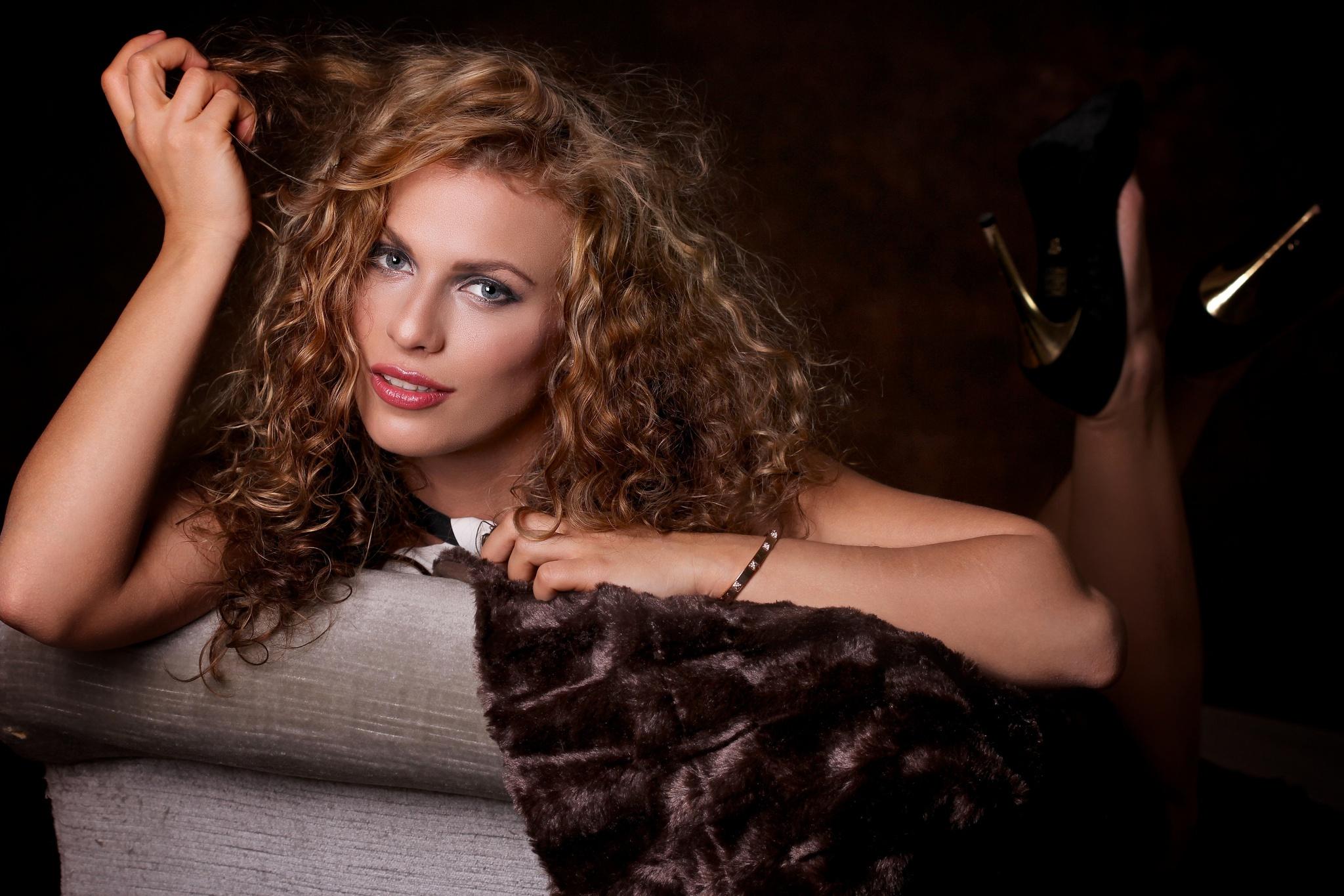 women, Long Hair, Brunette, Looking At Viewer, Curly Hair