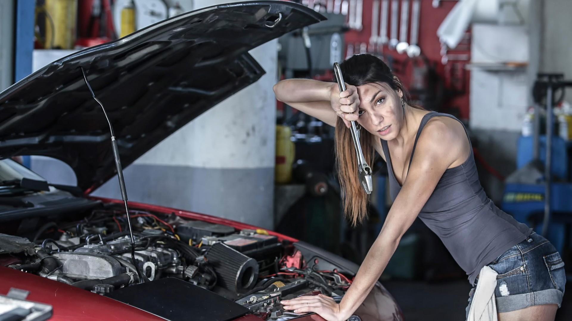 Women Model Car Vehicle Women With Cars Engines Sports Car Engine Wheel  Supercar Mechanic Automobile Make