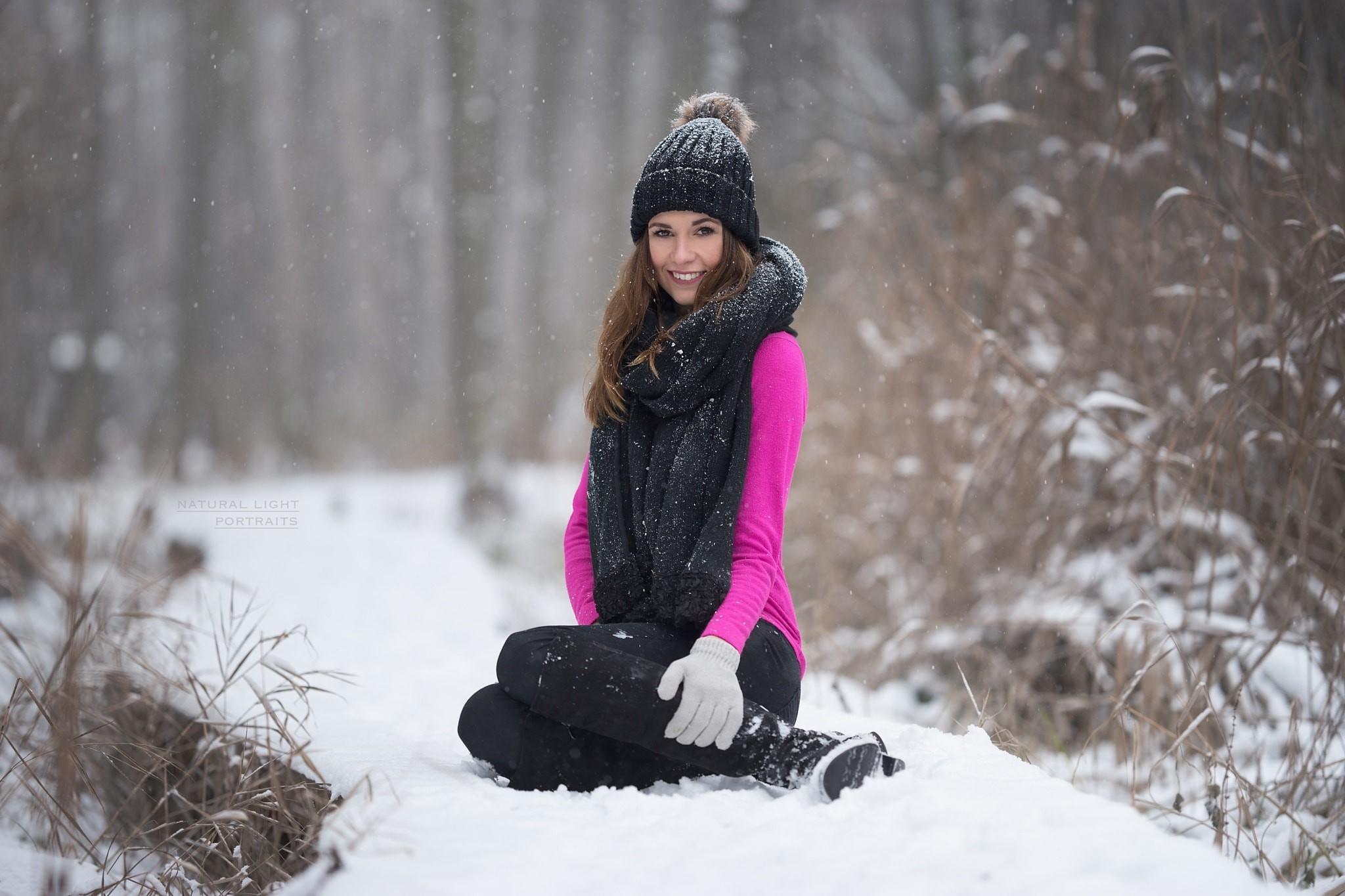 Фотосессия зимой на снегу