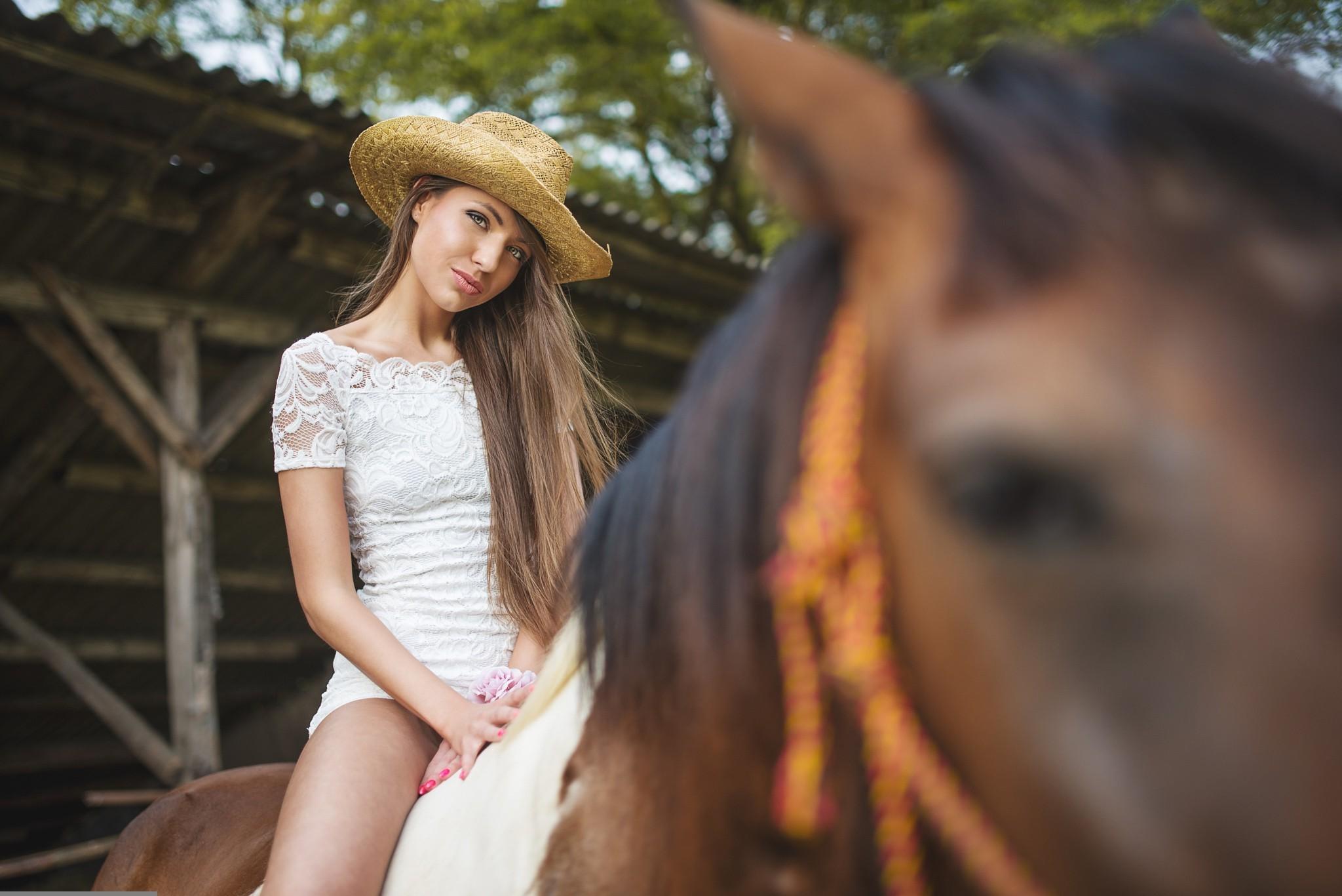 голые девушки и лошади обои