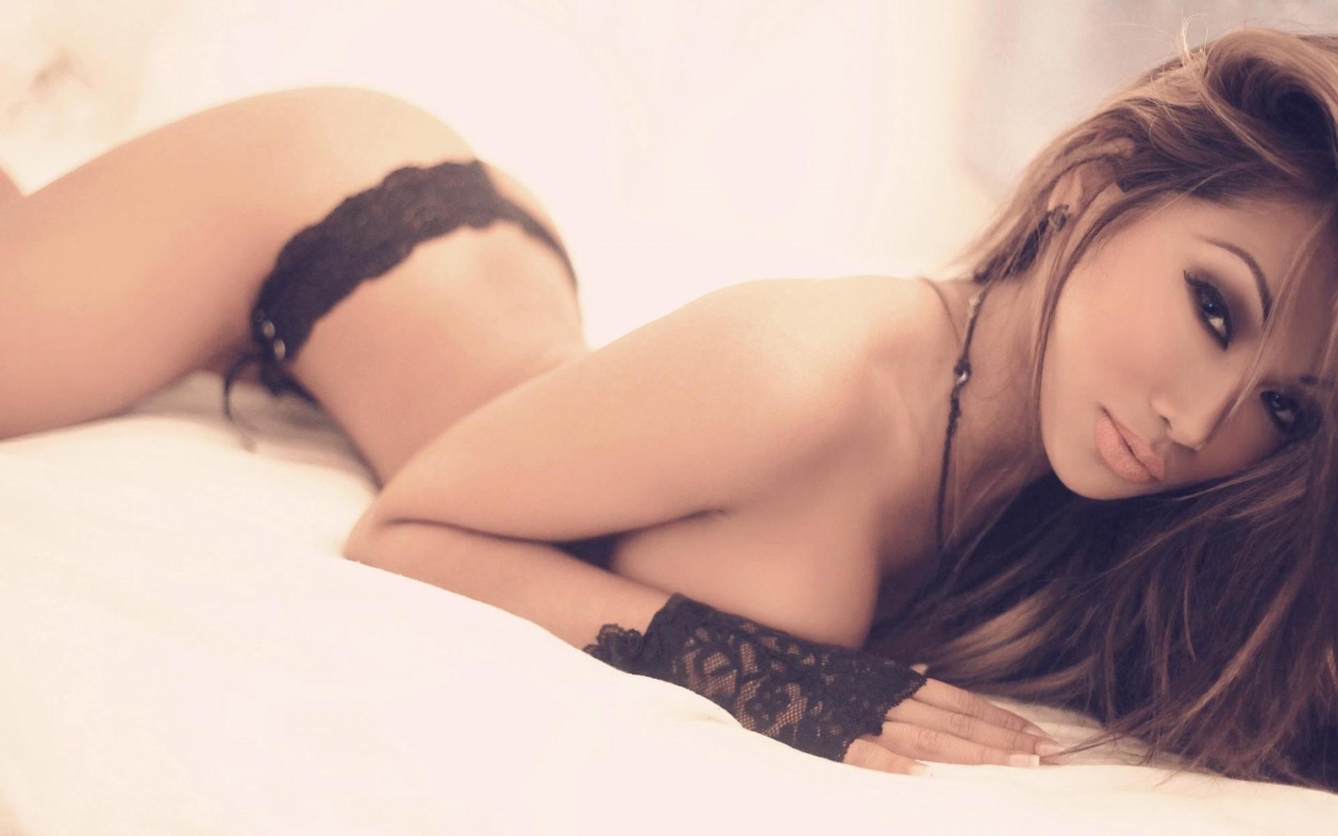from Santos black hair girl topless