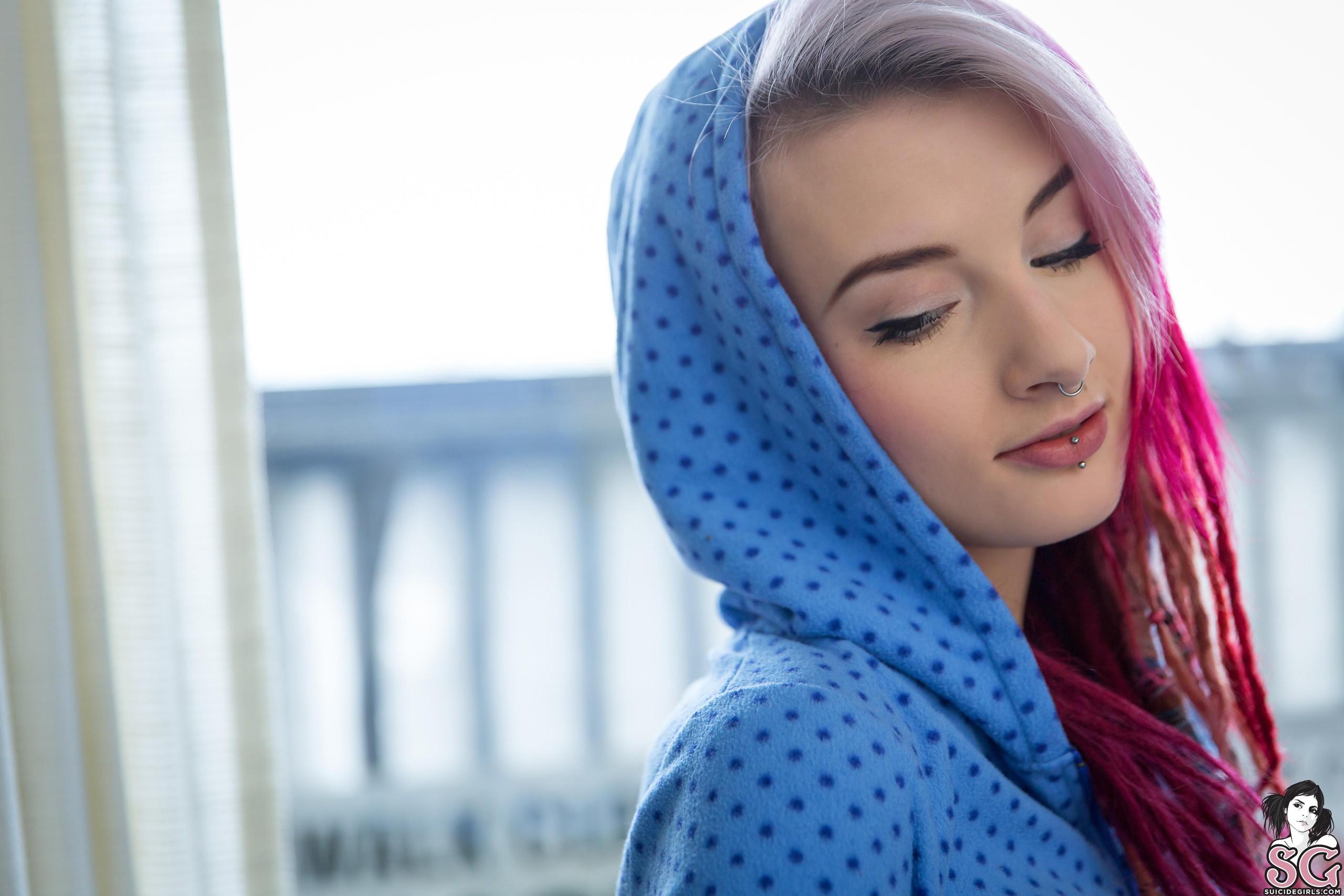 Hintergrundbilder Frau Modell Lange Haare Blau Haube Muster