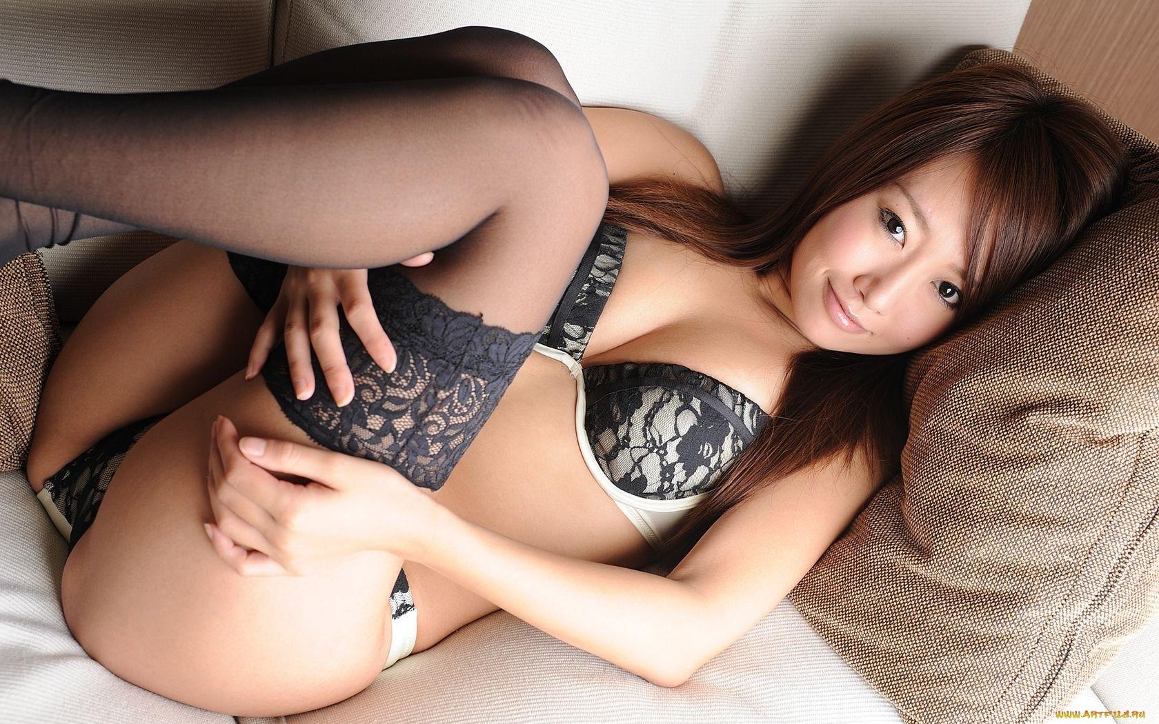 Молодие азиатки в чулках порно