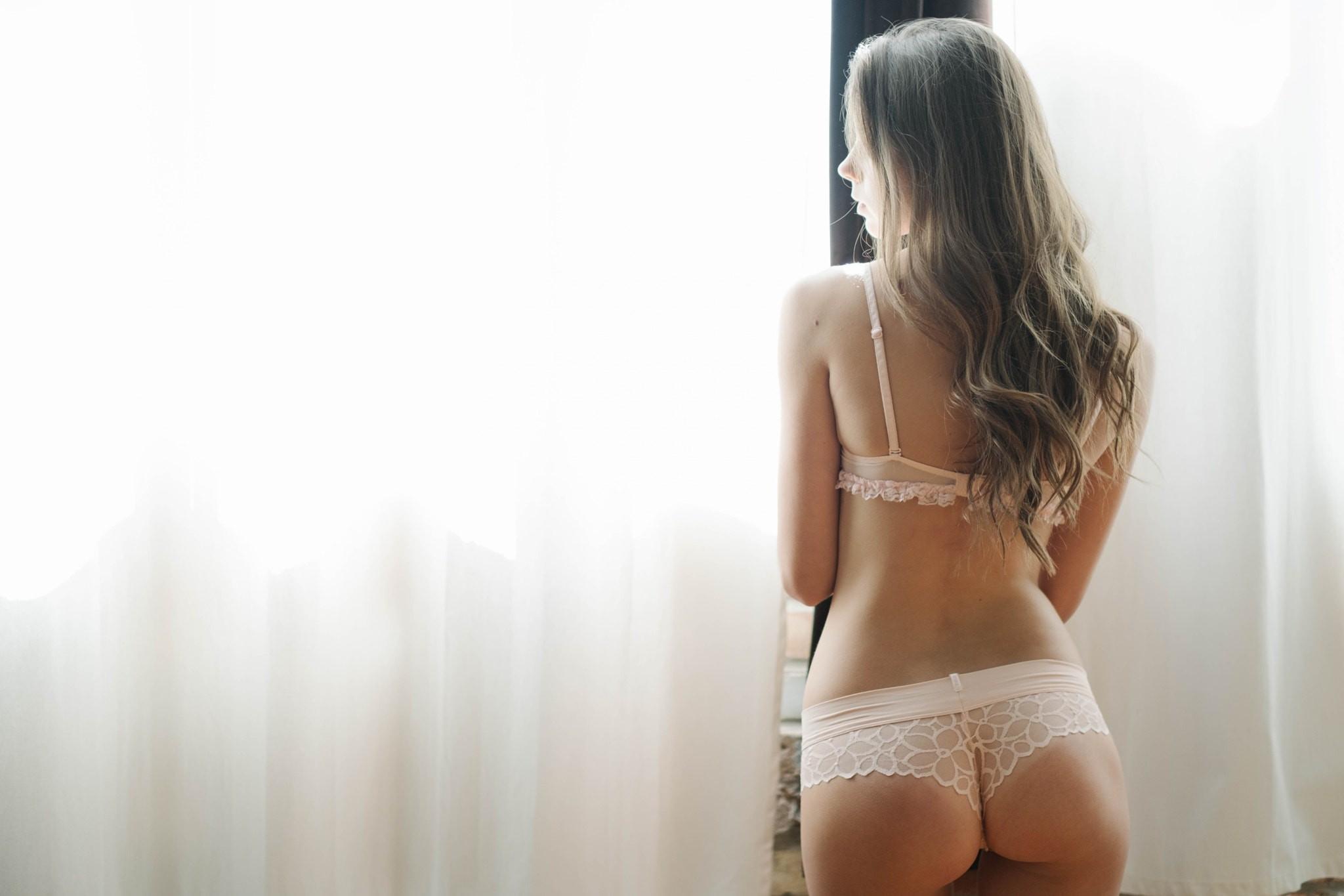 Стройную брюнетку сзади, Порно с брюнетками смотреть онлайн бесплатно 17 фотография
