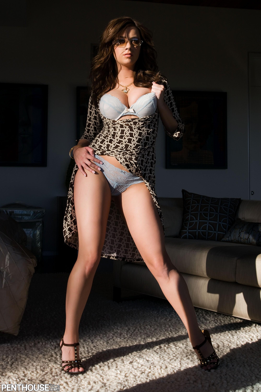 Thigh high boobs