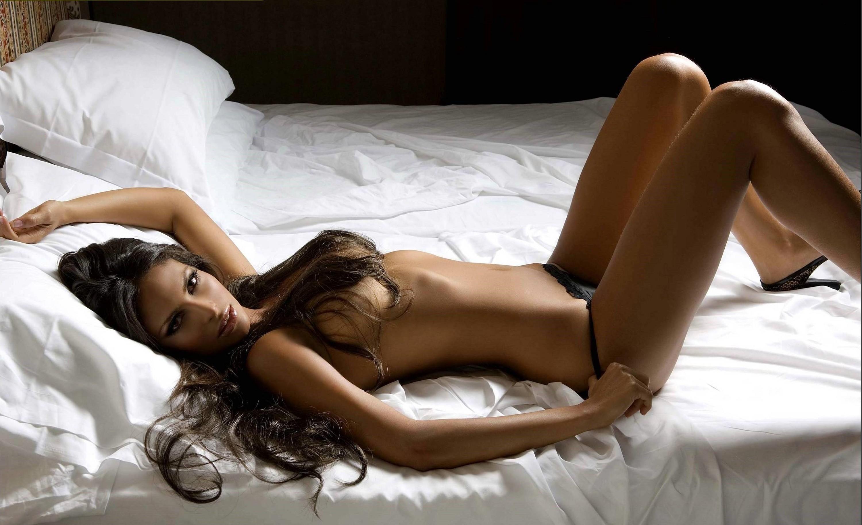 Bedroom pictures topless #15