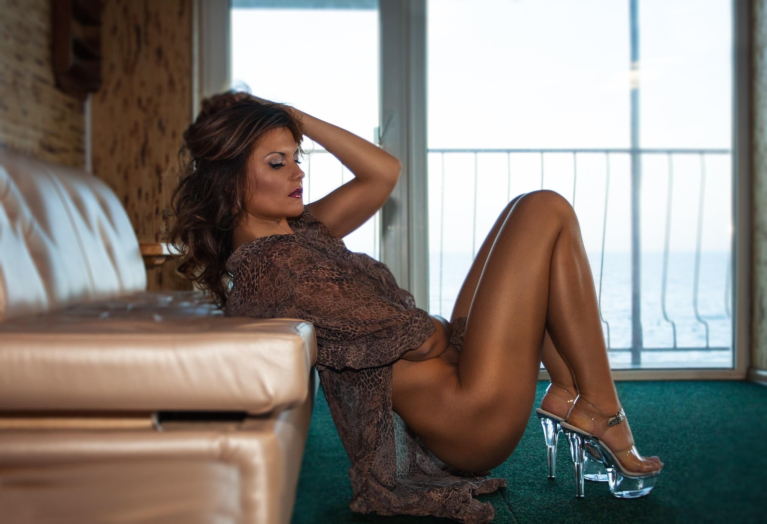 С любовницей в номере отеля порно фото бесплатно