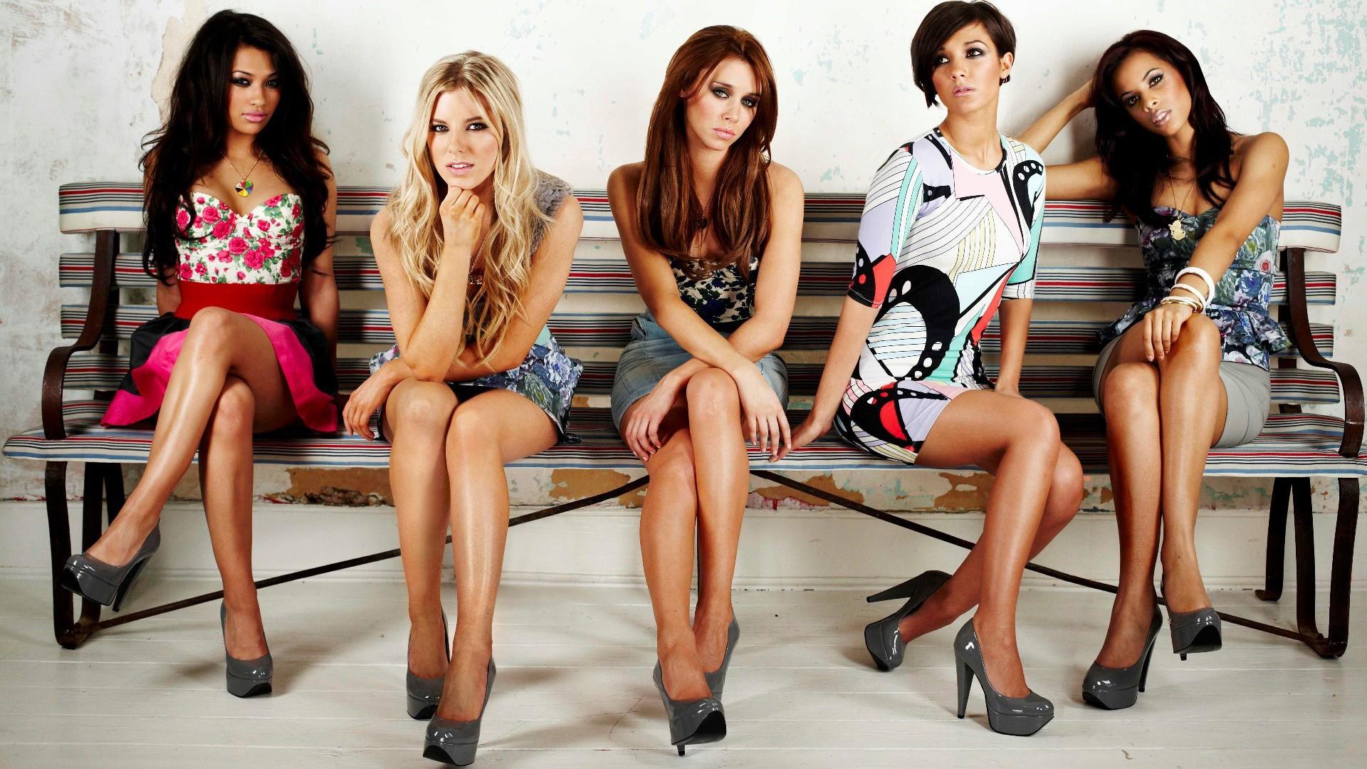 leggy women in group