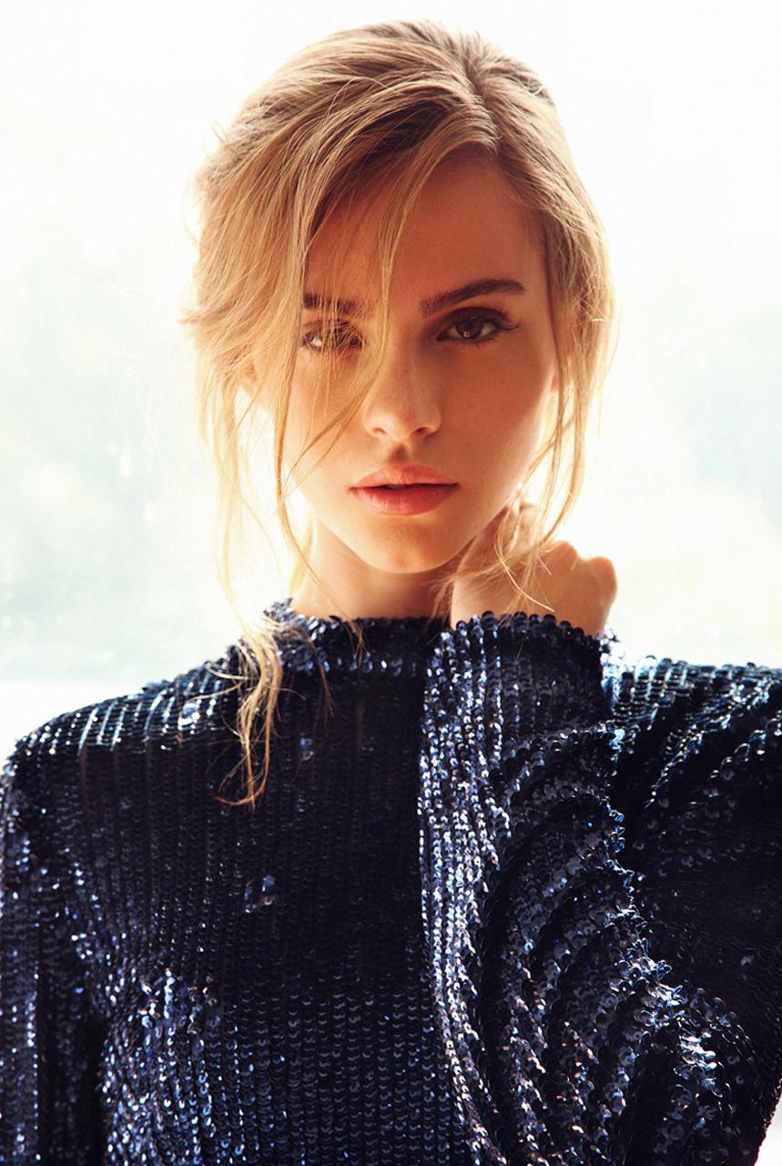 Fond d 39 cran femmes maquette portrait blond bridget for Fond ecran portrait