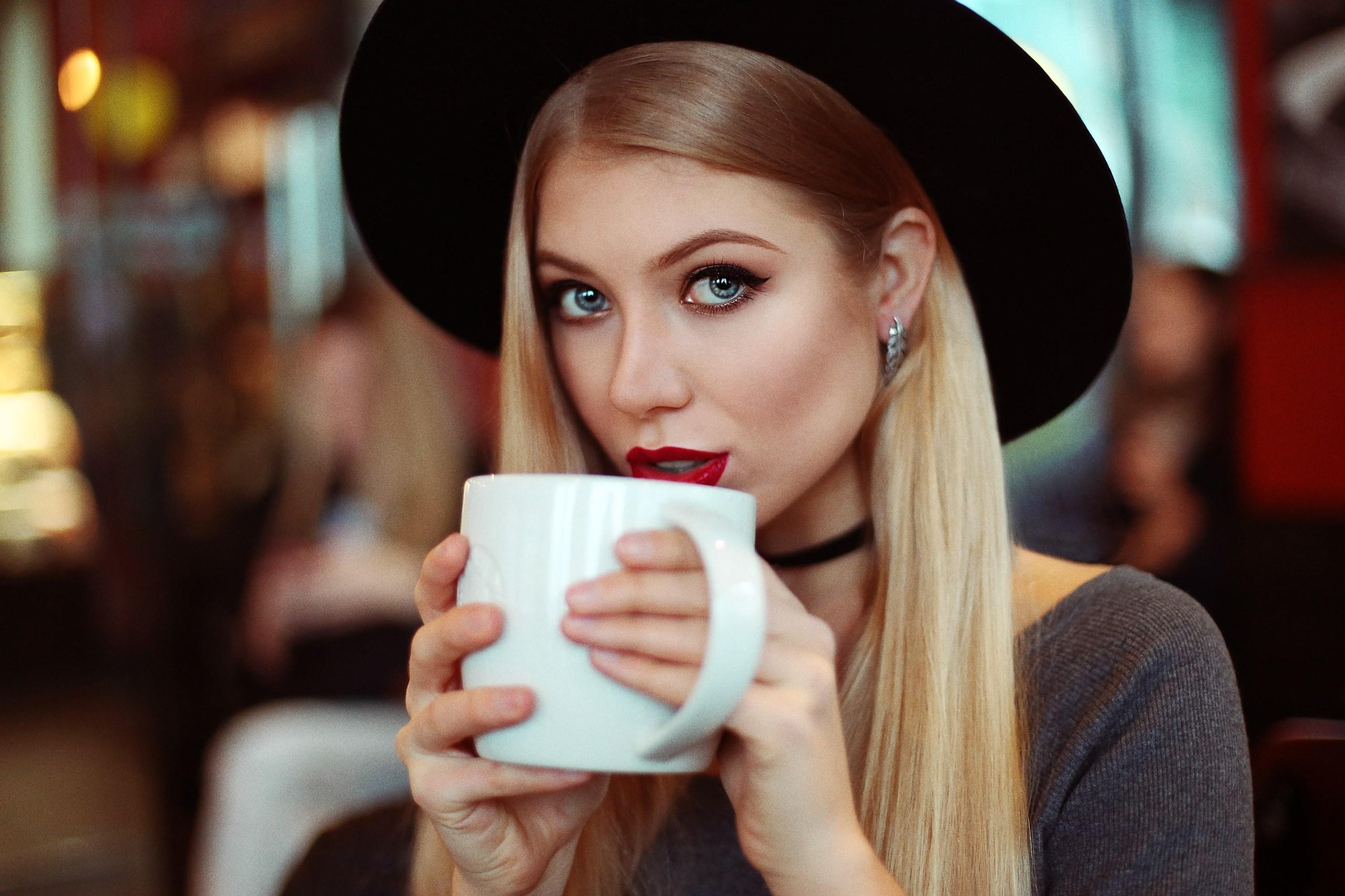 Картинки девушек кофе
