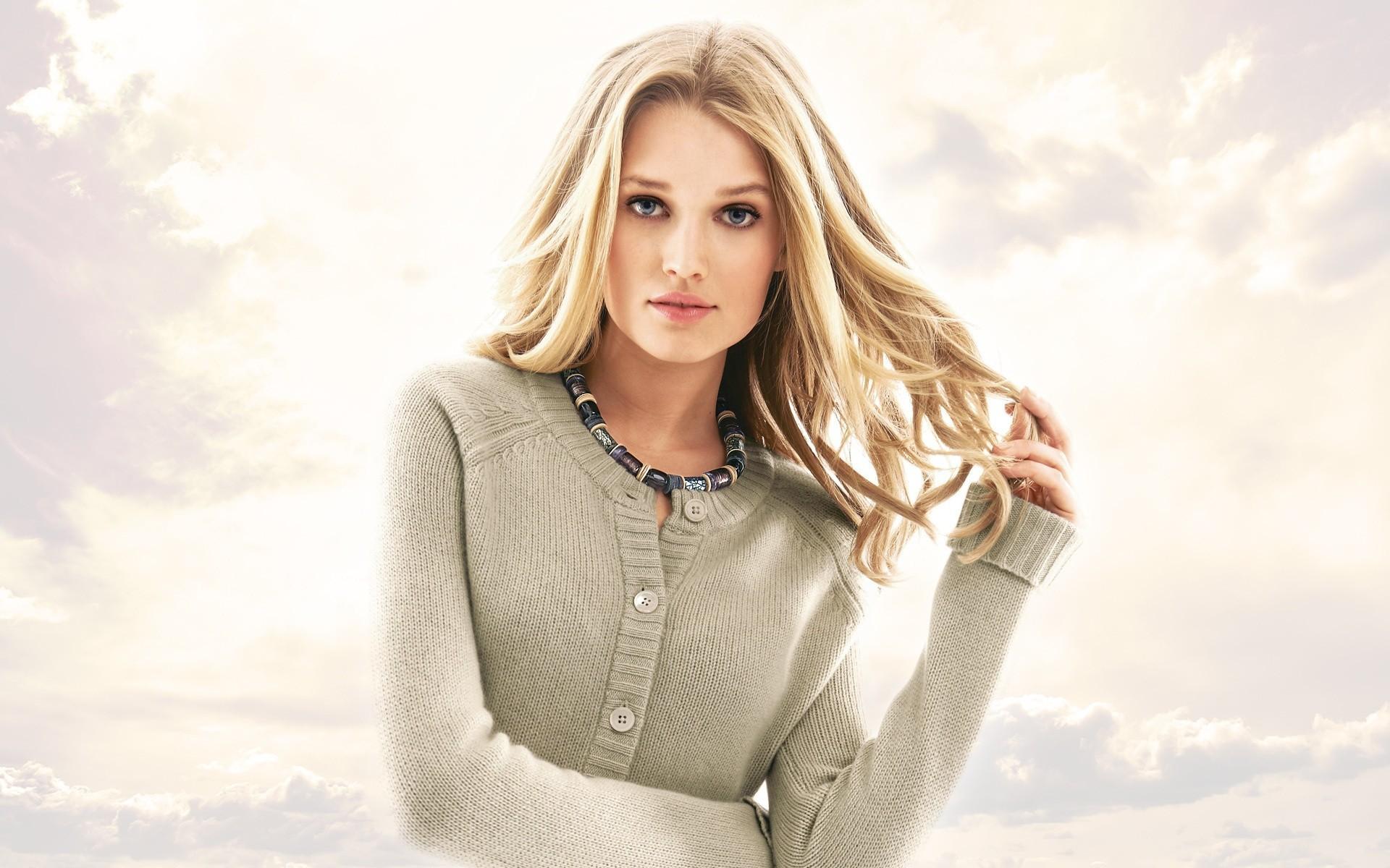 Wallpaper : women, model, blonde, long hair, blue eyes, fashion ...